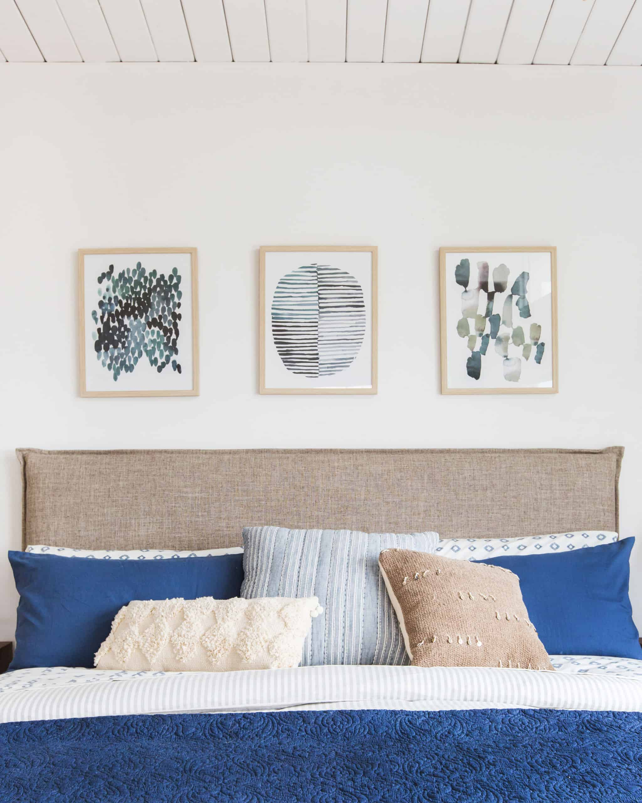 emily-henderson_master-bedroom_target_bedding_layered_light_texture_blue_white_brass_masculine_soft_3