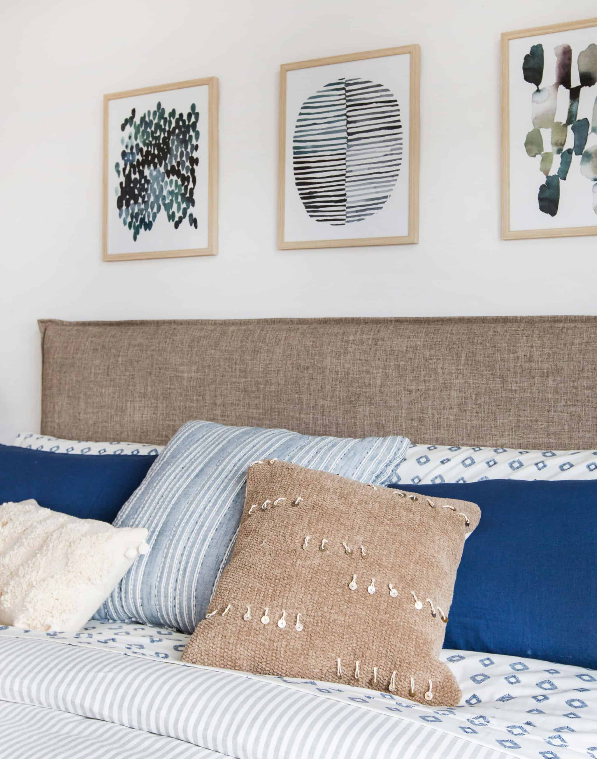 emily-henderson_master-bedroom_target_bedding_layered_light_texture_blue_white_brass_masculine_soft_7
