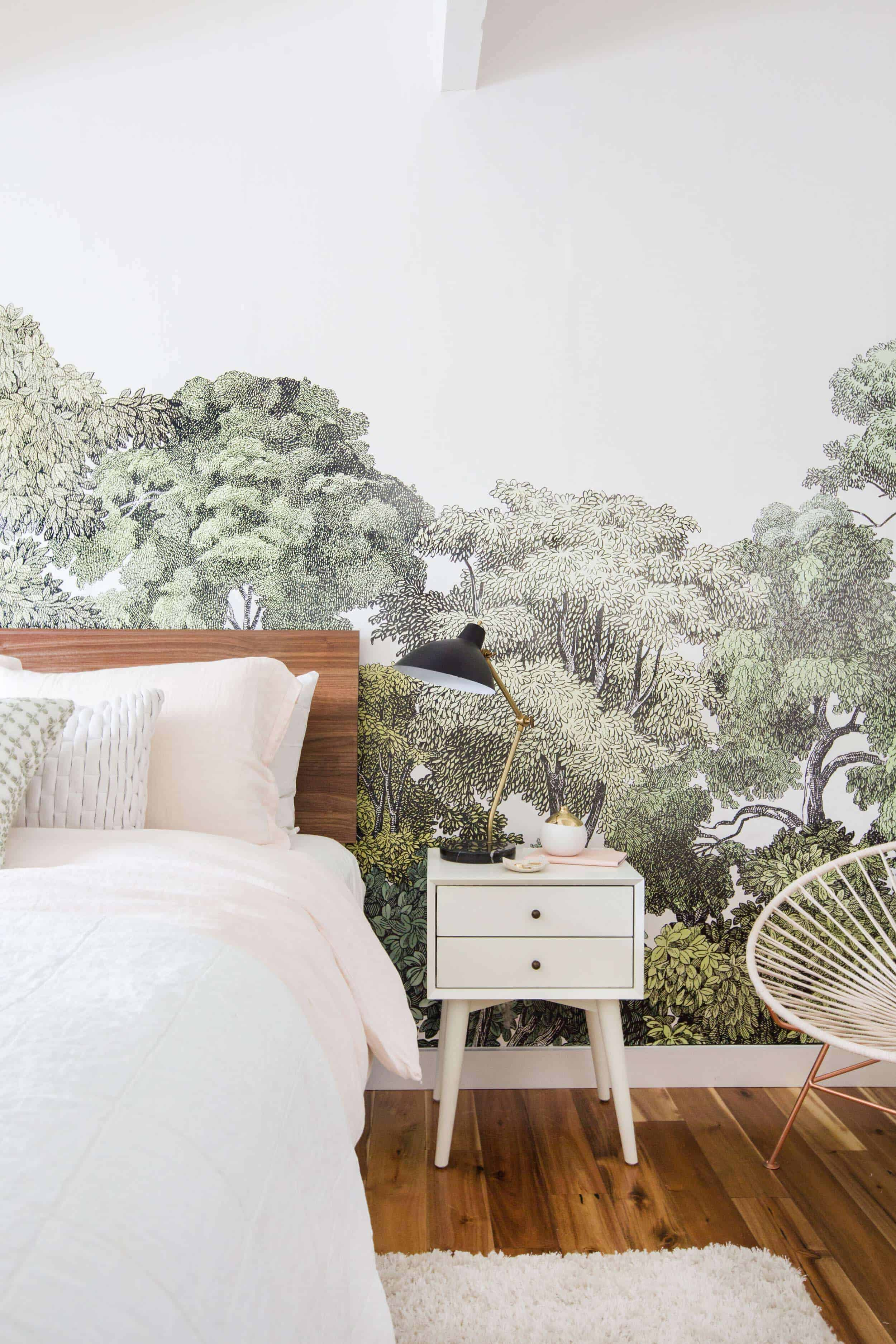 Emily Henderson_Staging to Sell_Guest Room_Light_Natural_Floral_5