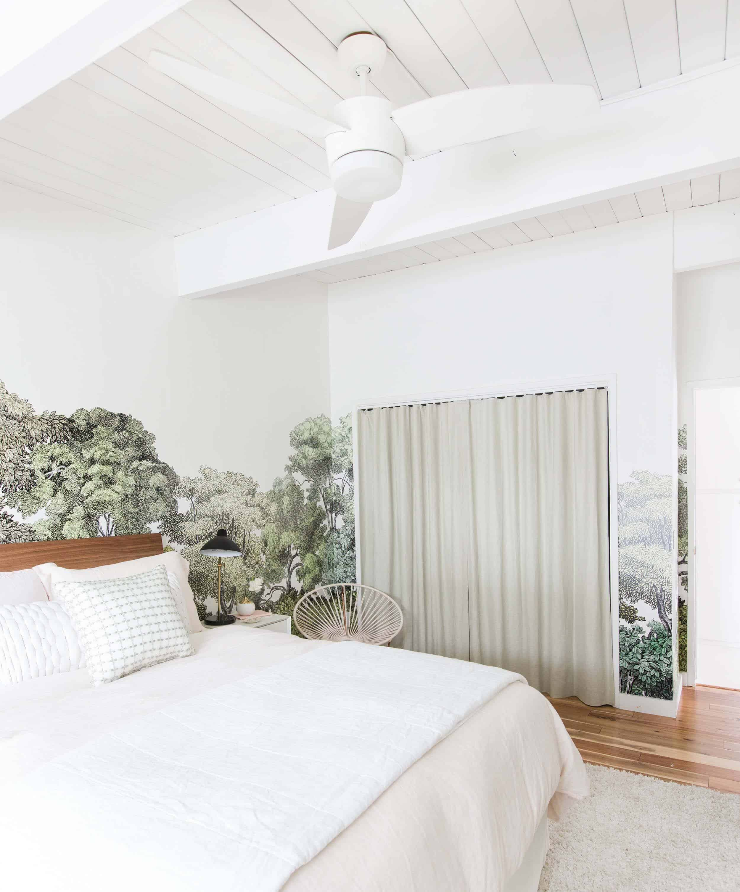 Emily Henderson_Staging to Sell_Guest Room_Light_Natural_Floral_8