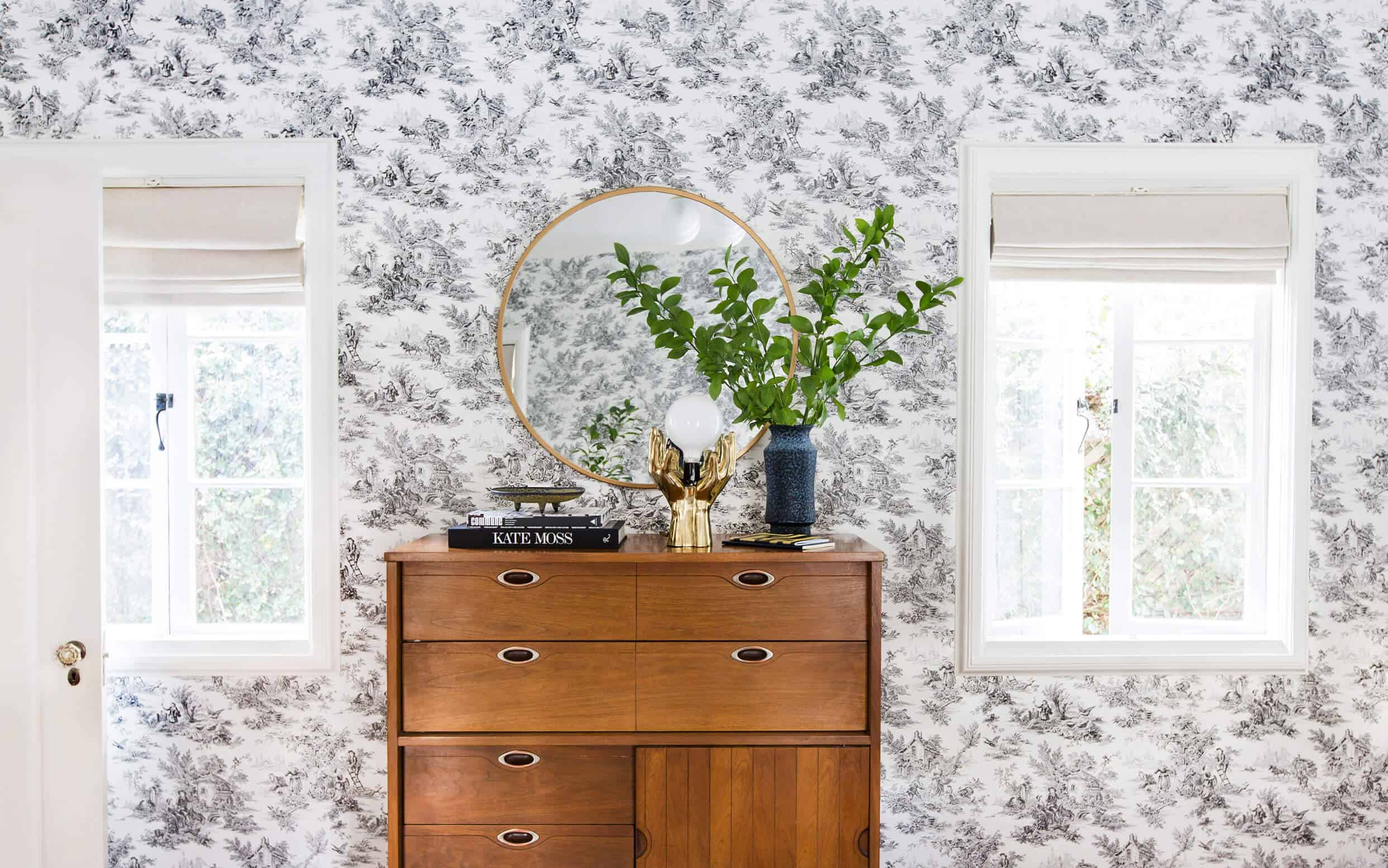 Emily-Henderson_Full-Design_Little-Guest-Room_Traditional_Eclectic_Bedroom_Pics_6.21