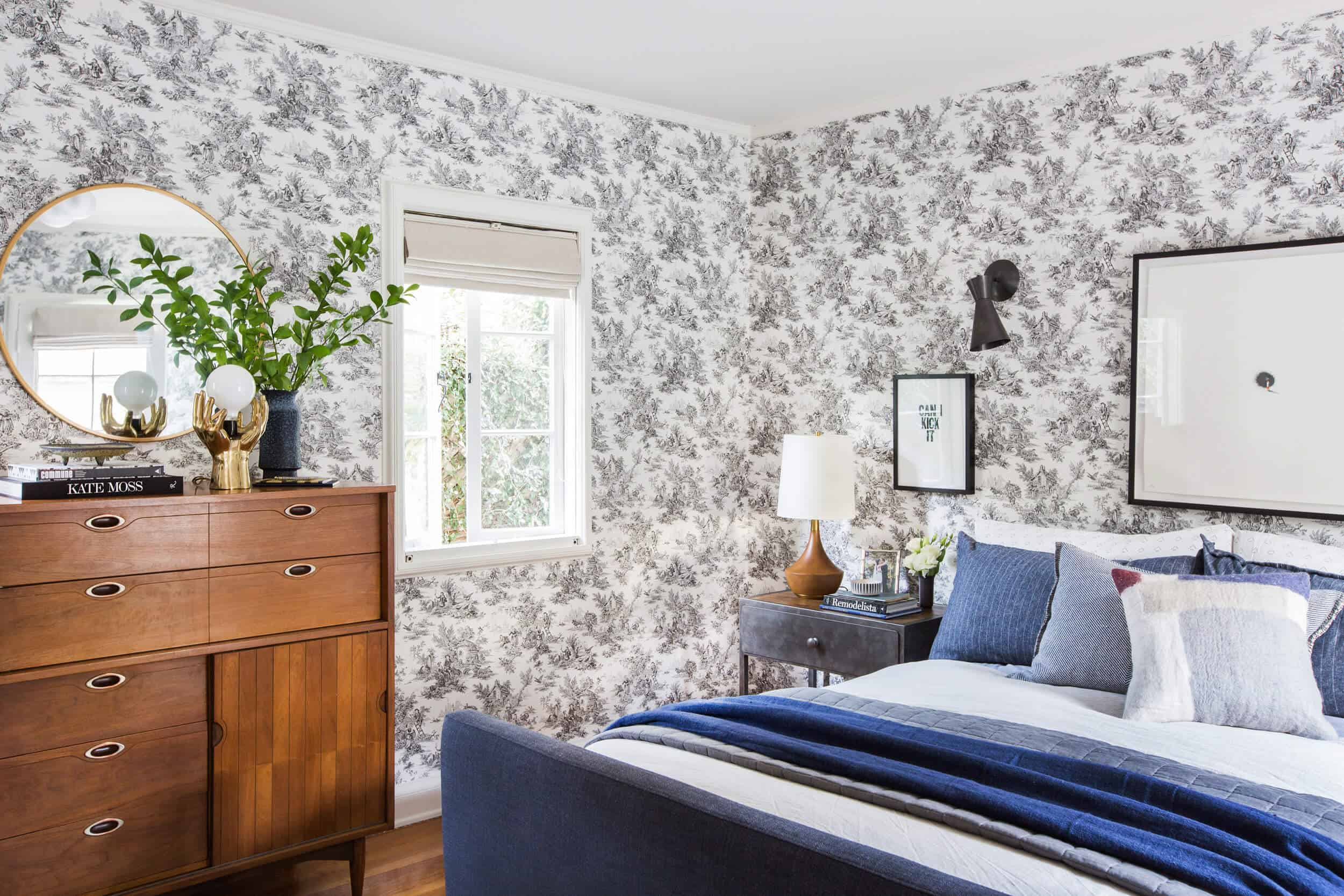 Emily-Henxderson_Full-Design_Little-Guest-Room_Traditional_Eclectic_Bedroom_Pics_81