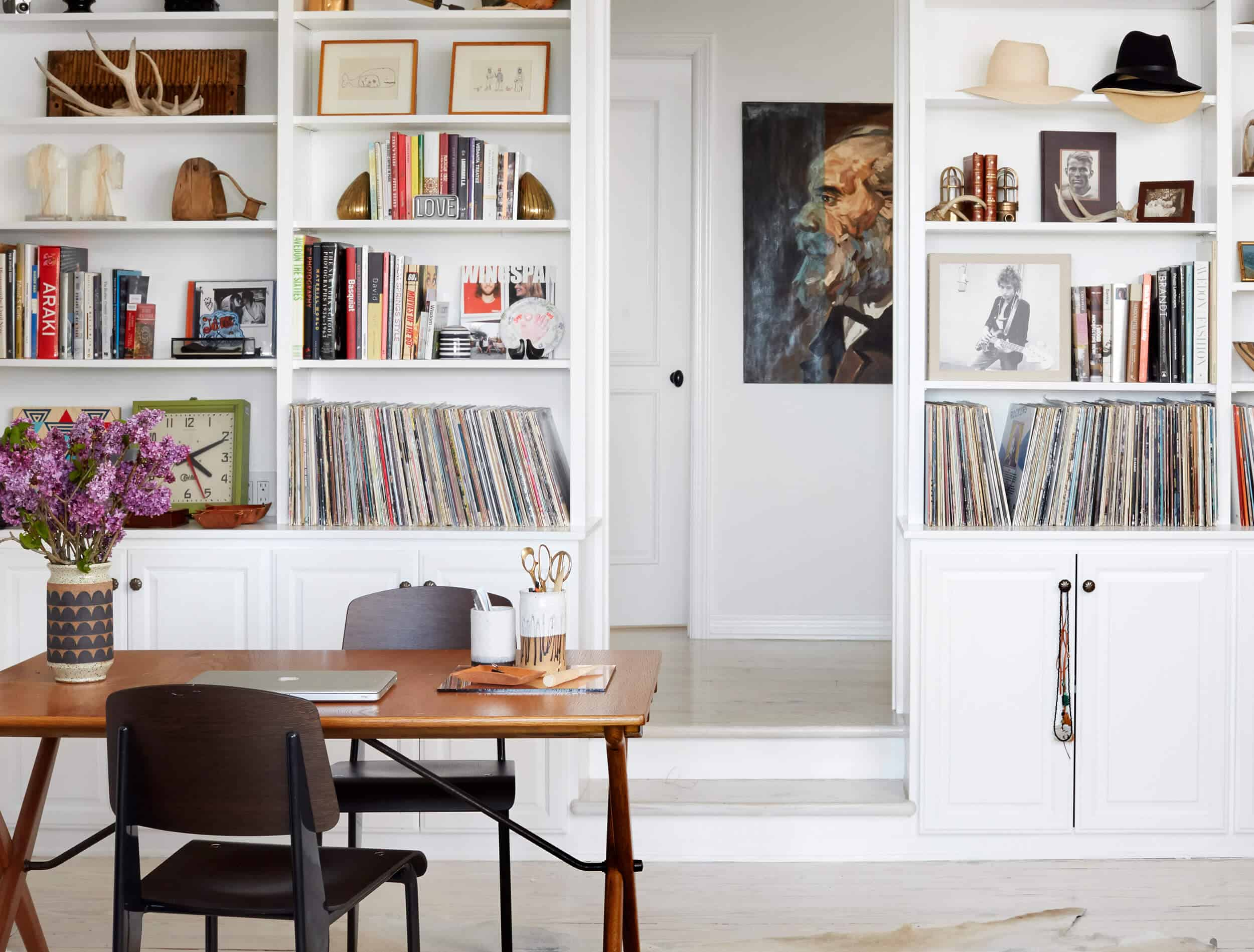 Emily Henderson_House Tour_Tomer_Styled_Book_Modern_Rustic_15