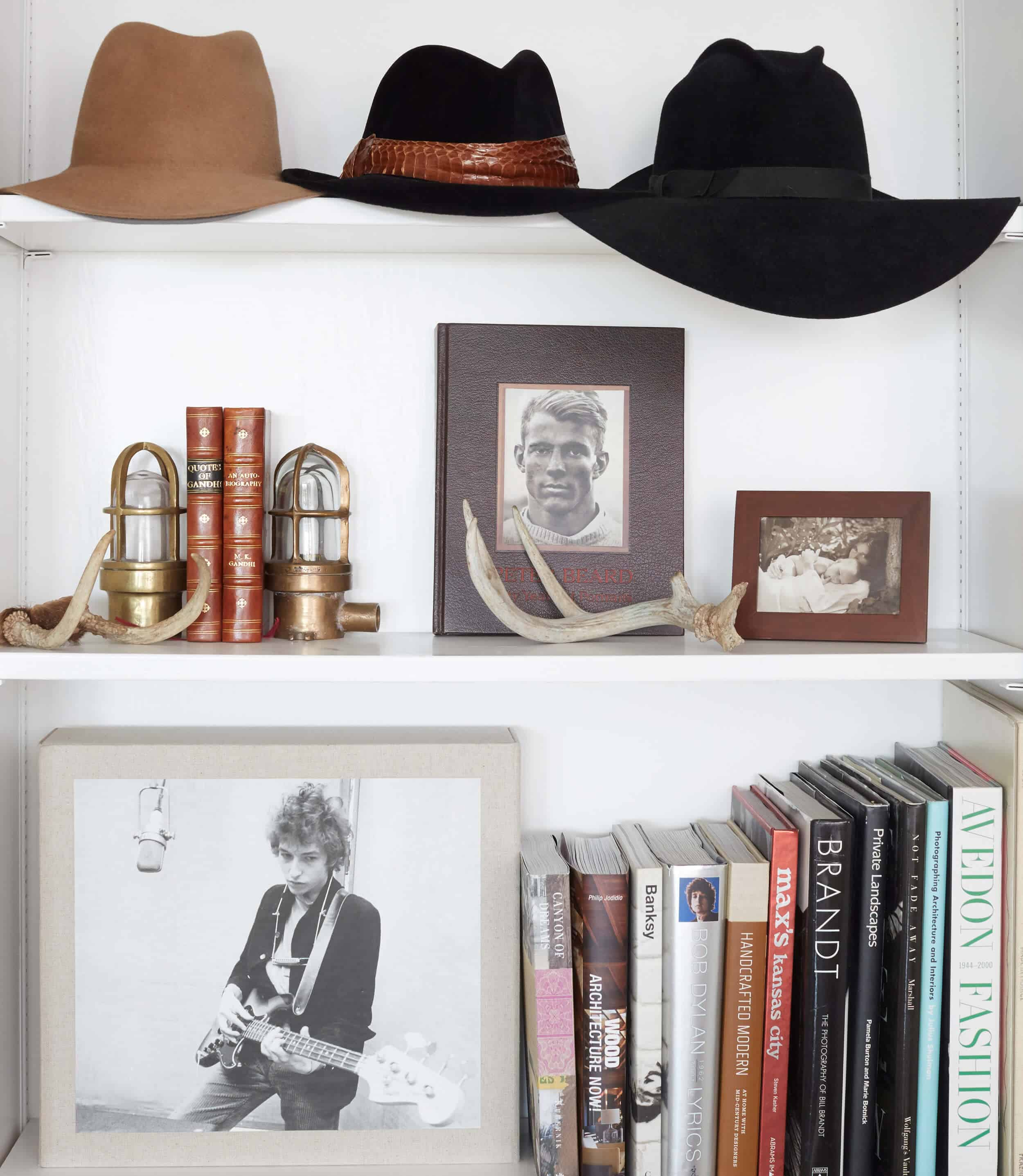 Emily Henderson_House Tour_Tomer_Styled_Book_Modern_Rustic_8