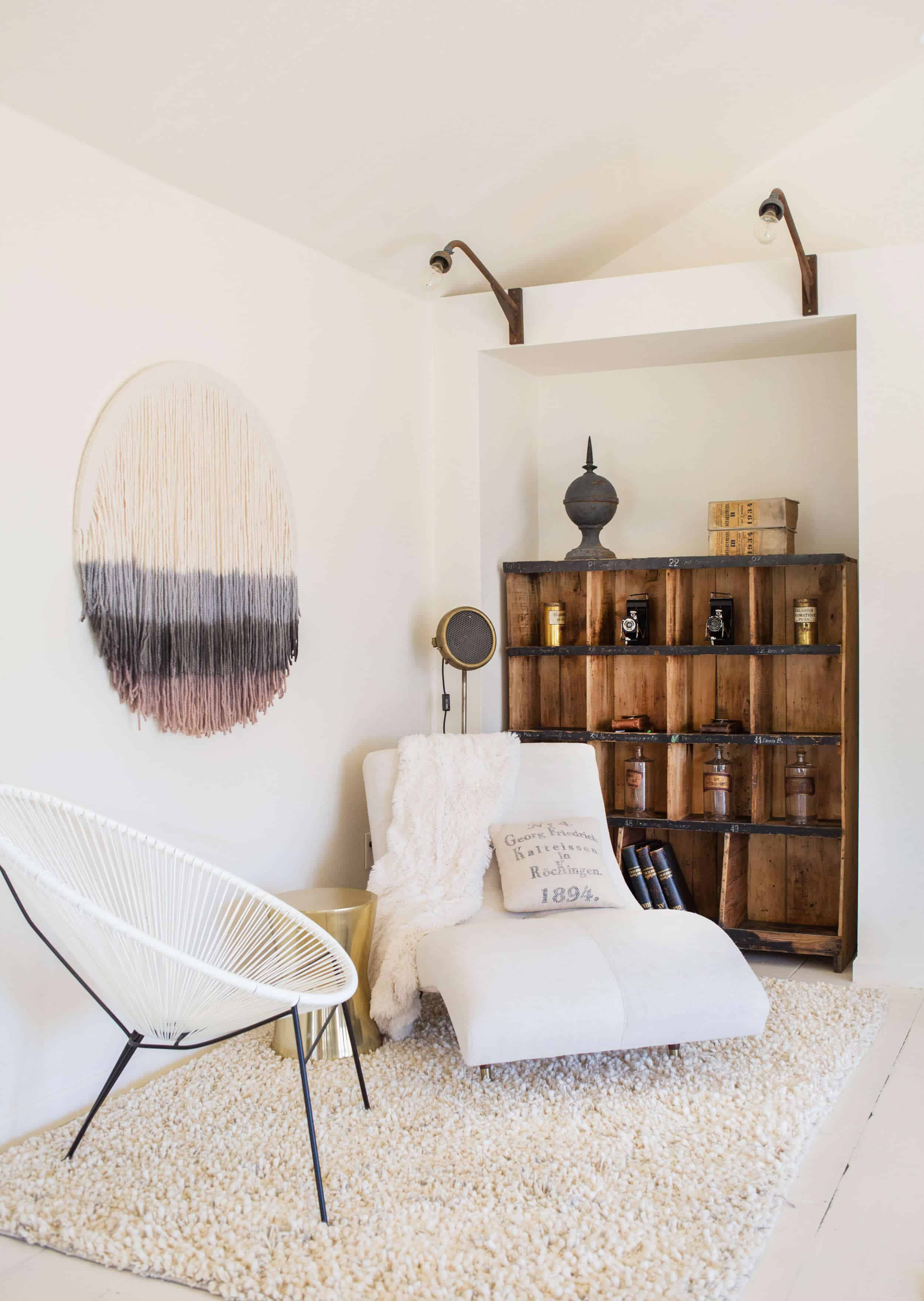 Emily-Henderson_Round-Top_Texas_Antique_Flea-Market_Shopping_EHD-Team_Event-Space_Modern-Farmhouse_Rustic_The-Vintage-Roundtop_24
