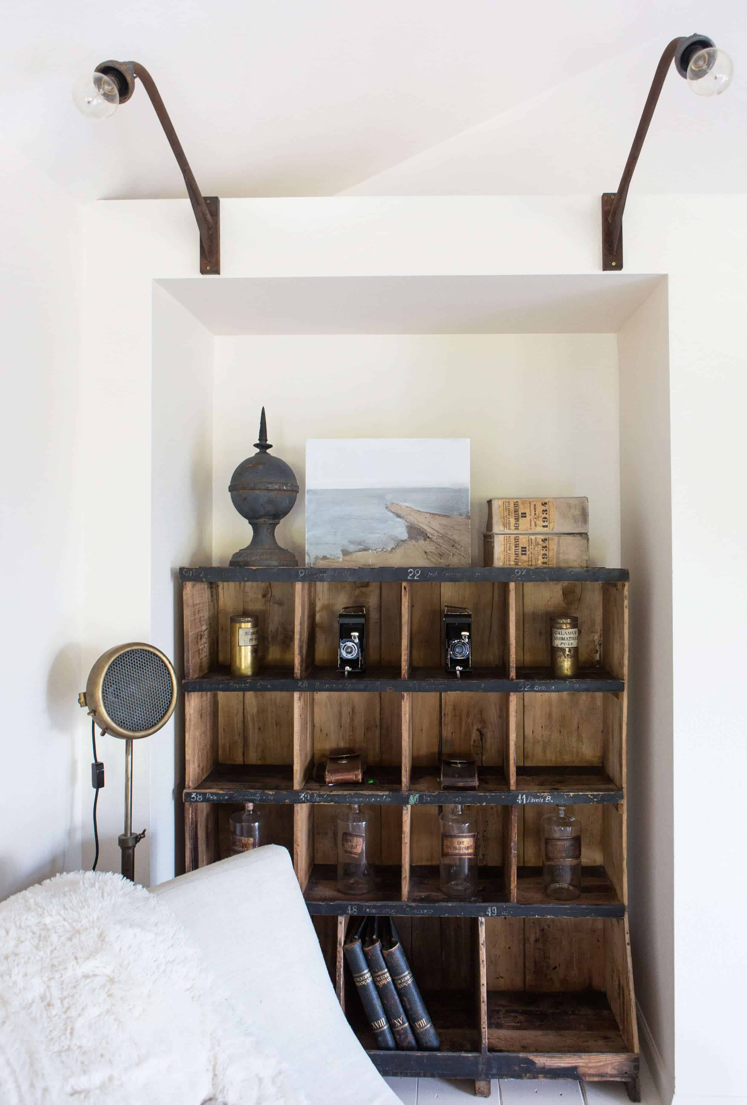 Emily-Henderson_Round-Top_Texas_Antique_Flea-Market_Shopping_EHD-Team_Event-Space_Modern-Farmhouse_Rustic_The-Vintage-Roundtop_38