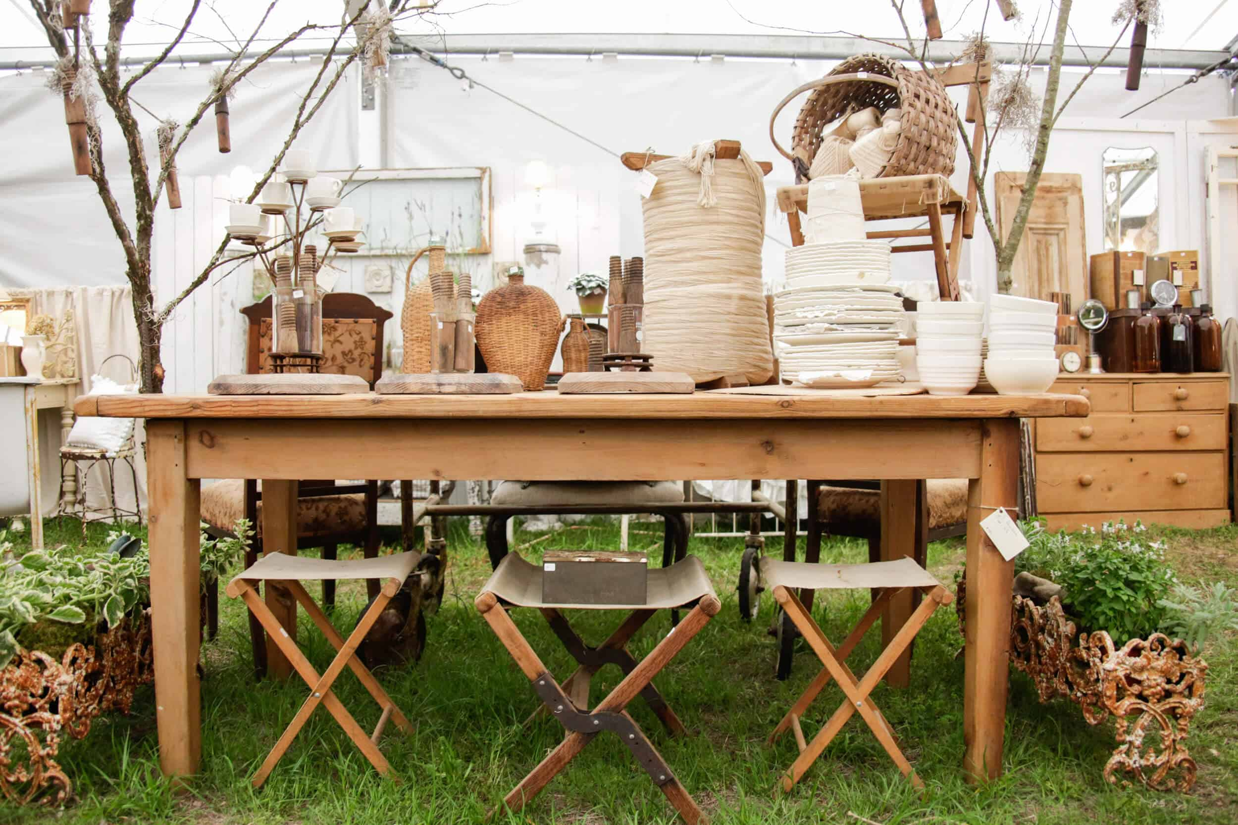Emily-Henderson_Round-Top_Texas_Antique_Flea-Market_Shopping_EHD-Team_Intro-Post_6