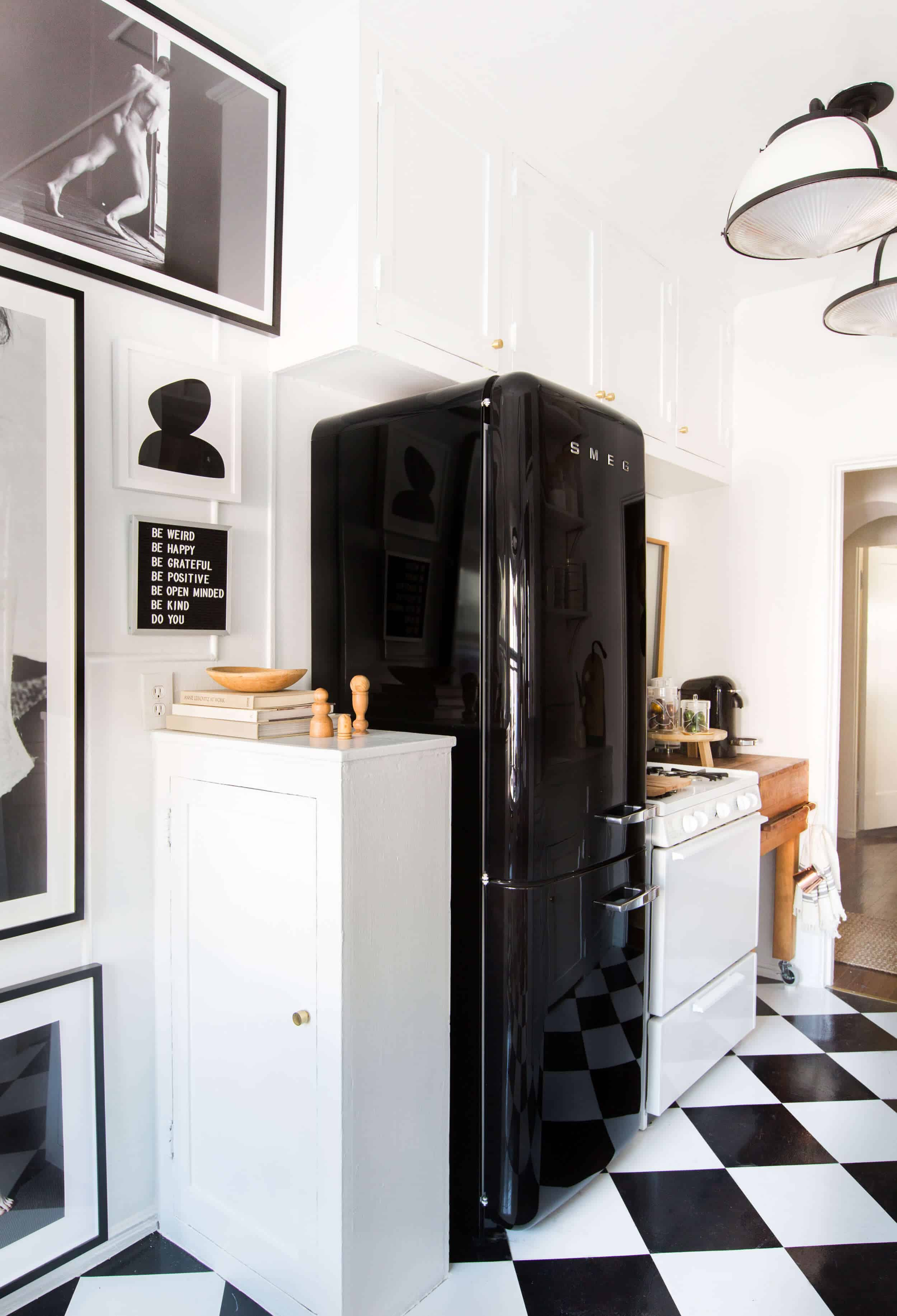 Brady-Tolbert_Emily-Henderson_Black-and-White-Kitchen_Vintage_Apartment-Refresh_Wood_Brass_Checkered-Floor_Copper-Pots_Eclectic_Glam_Modern_Traditional_23