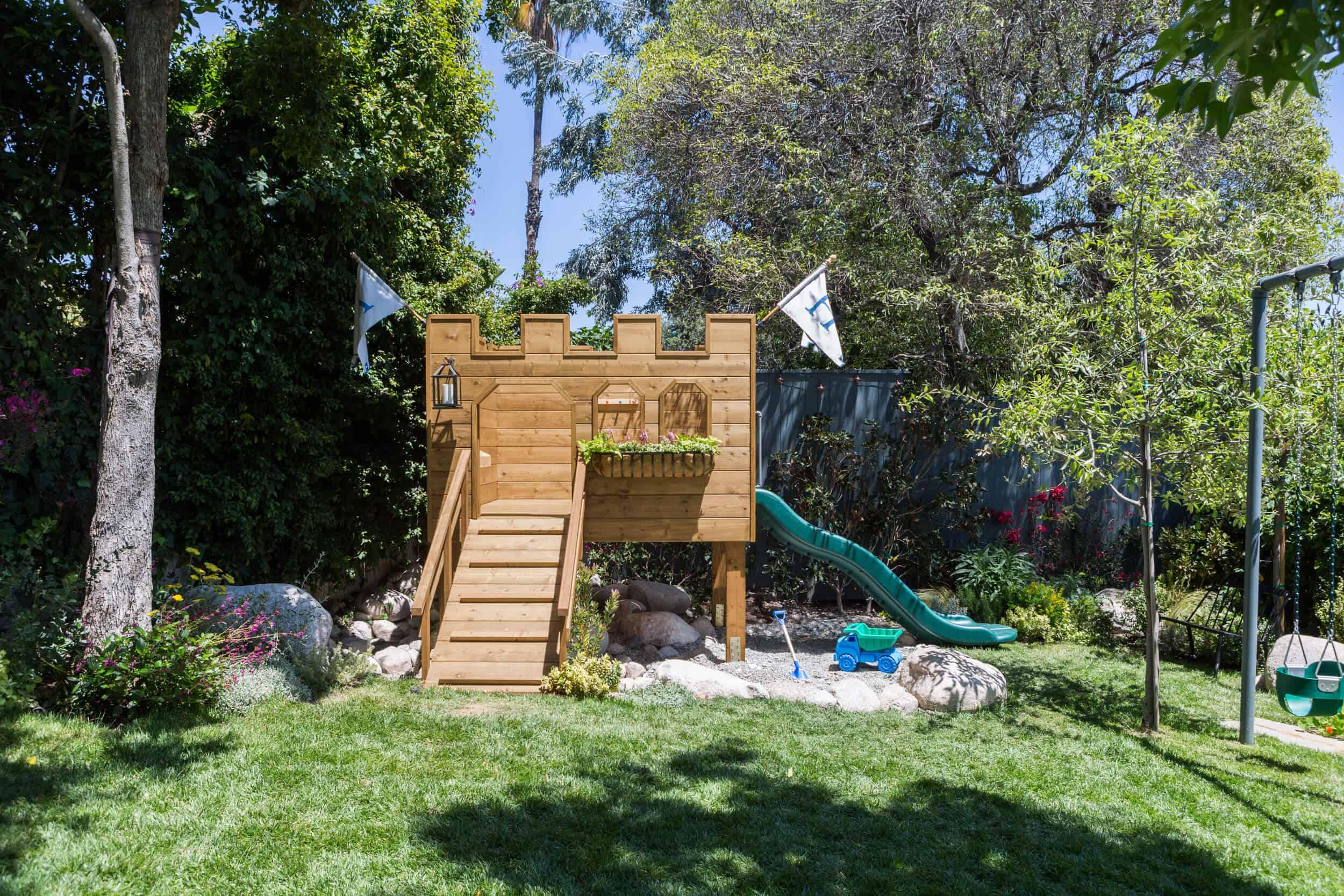 Emily-Henderson-Backyard-171