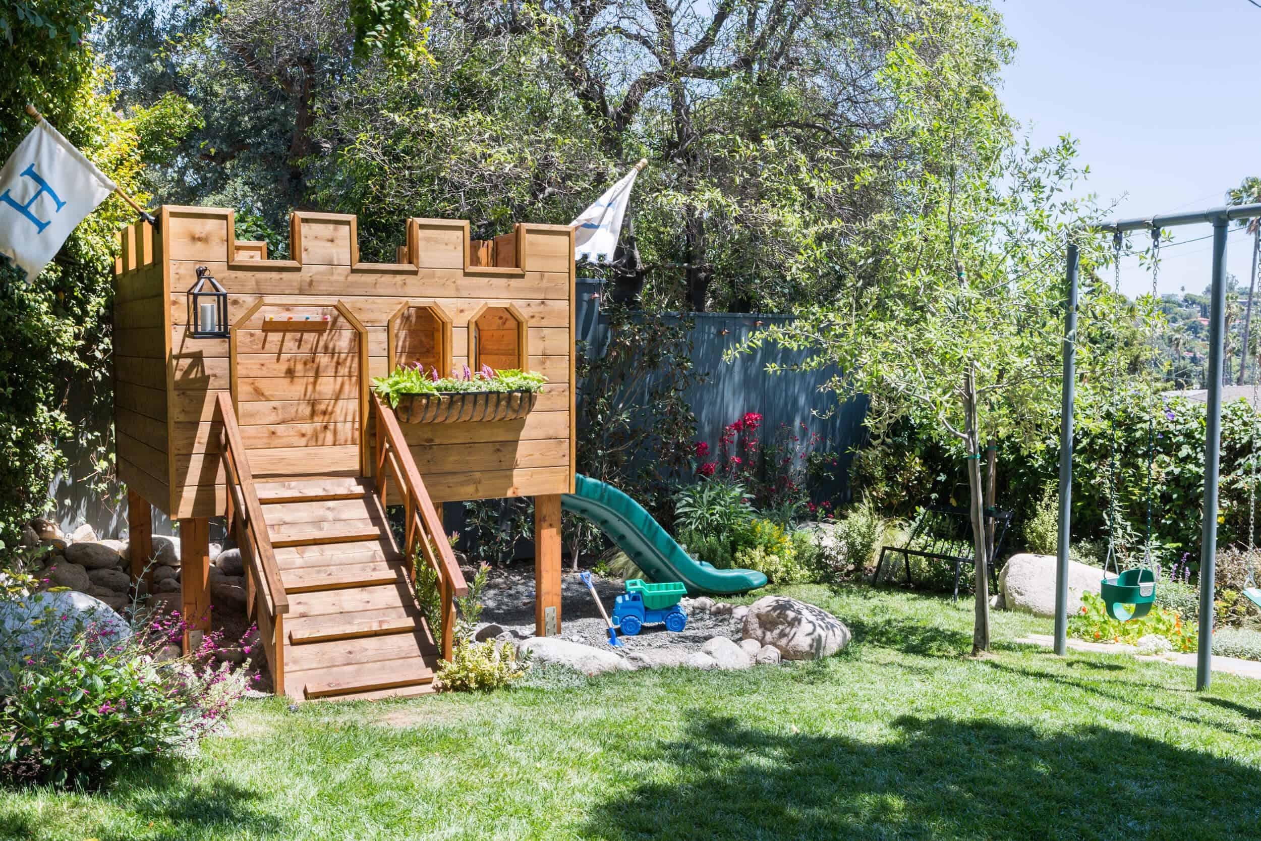 Emily-Henderson-Backyard-21