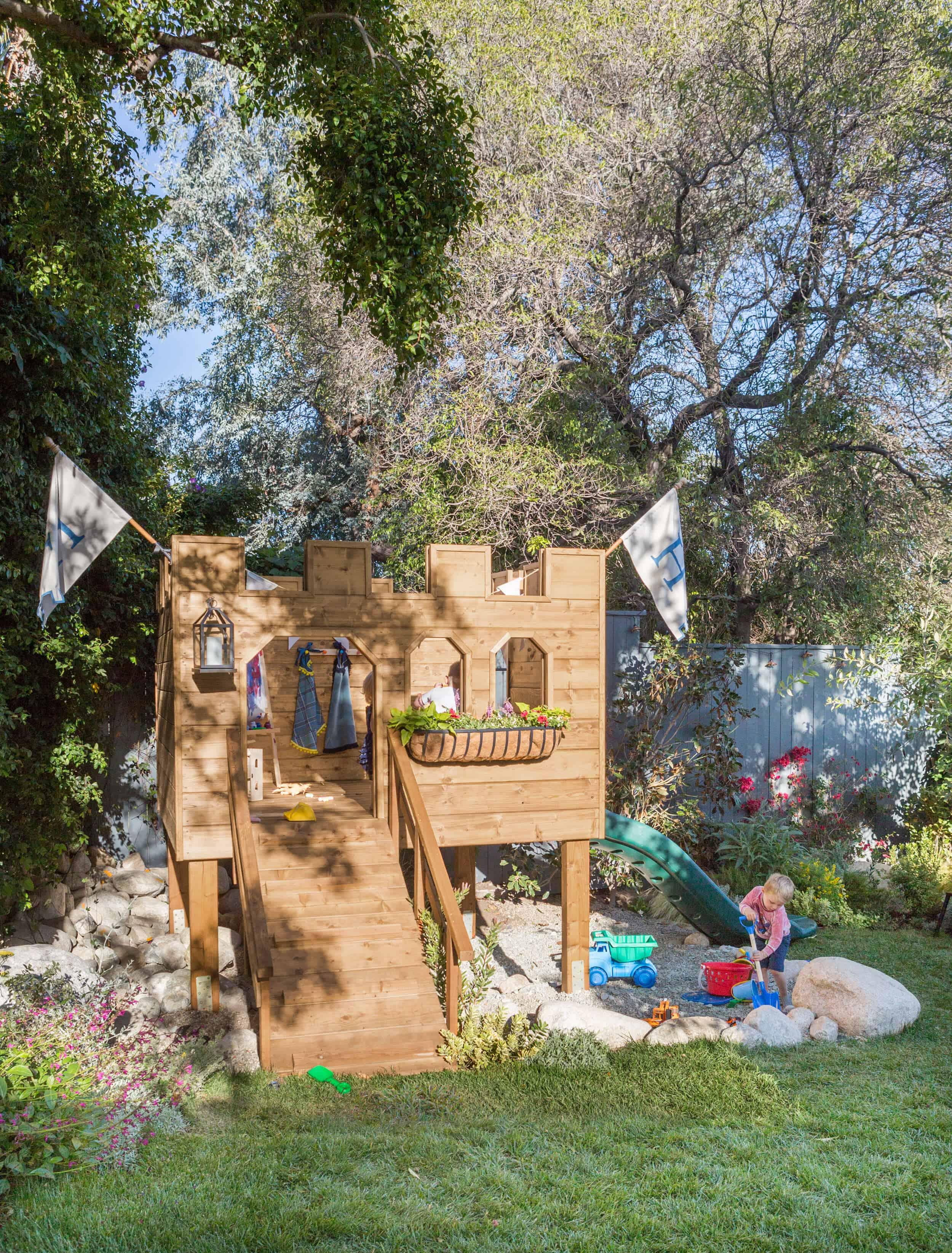 Emily-Henderson-Backyard-371