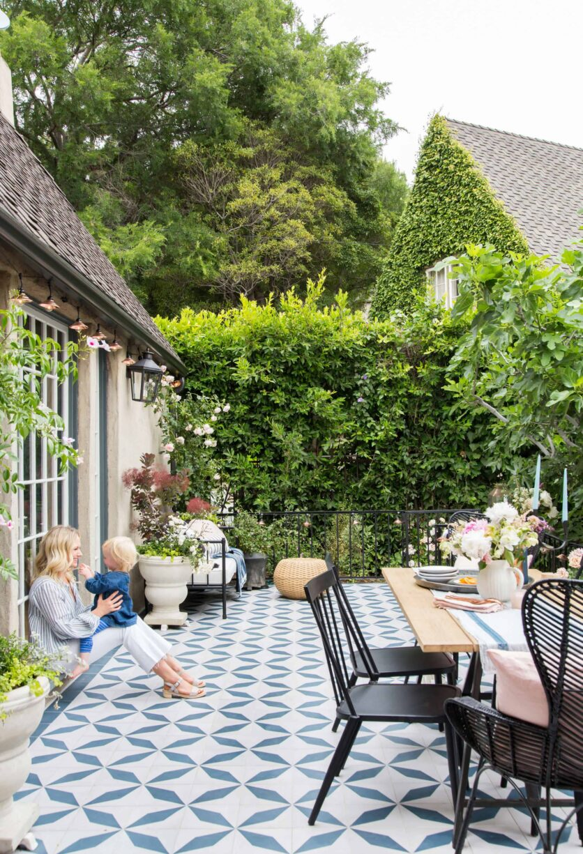 Emily-Henderson_House-Beautiful_Courtyard_Tile_Modern_English_Country_20