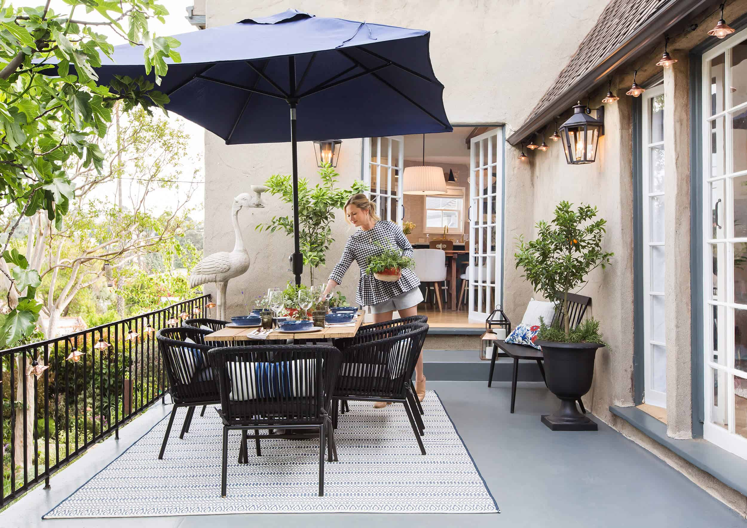 How To Decorate Your Outdoor E With