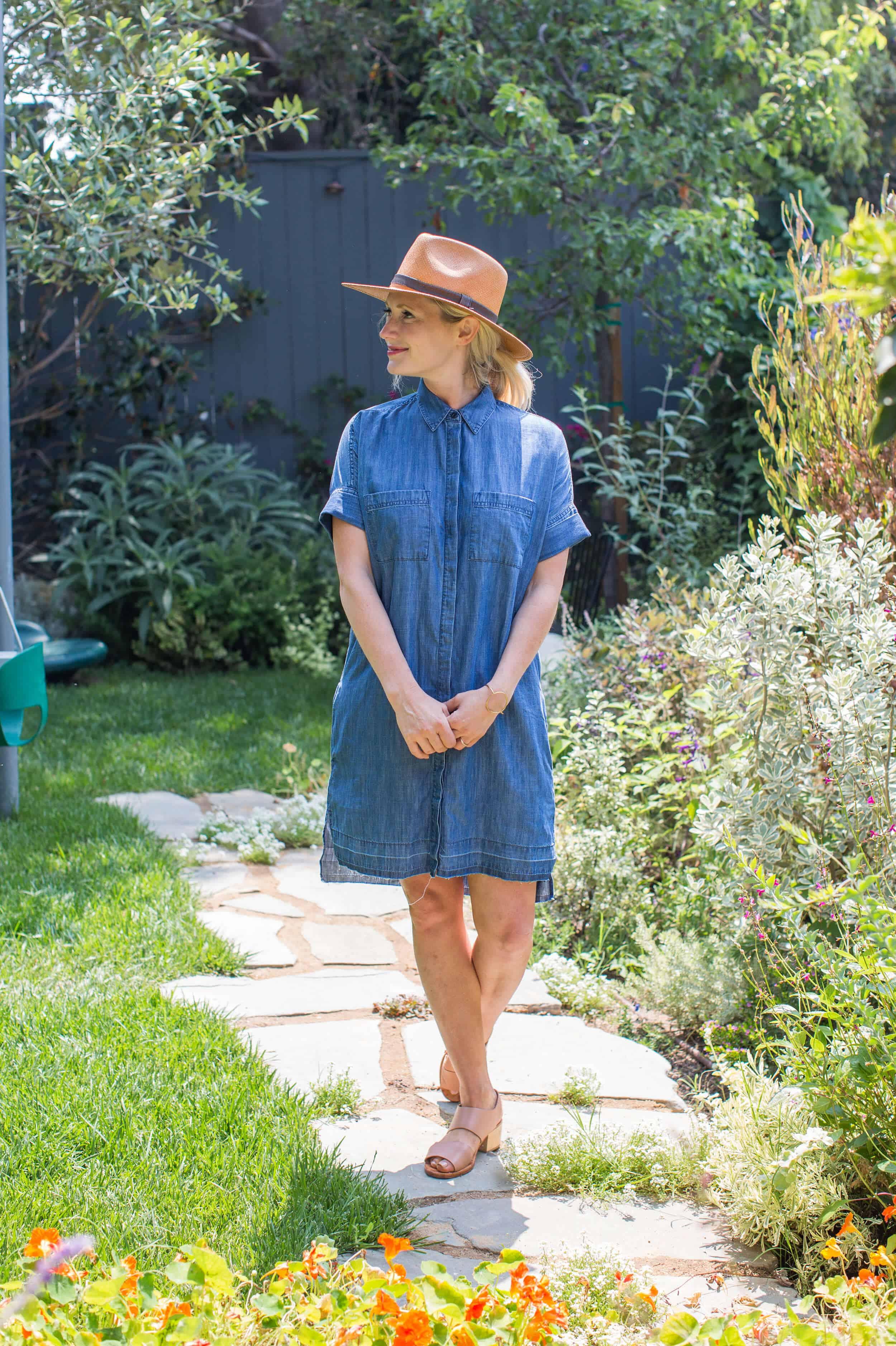 Emily-Henderson-Summer-Essentials-Fashion00020