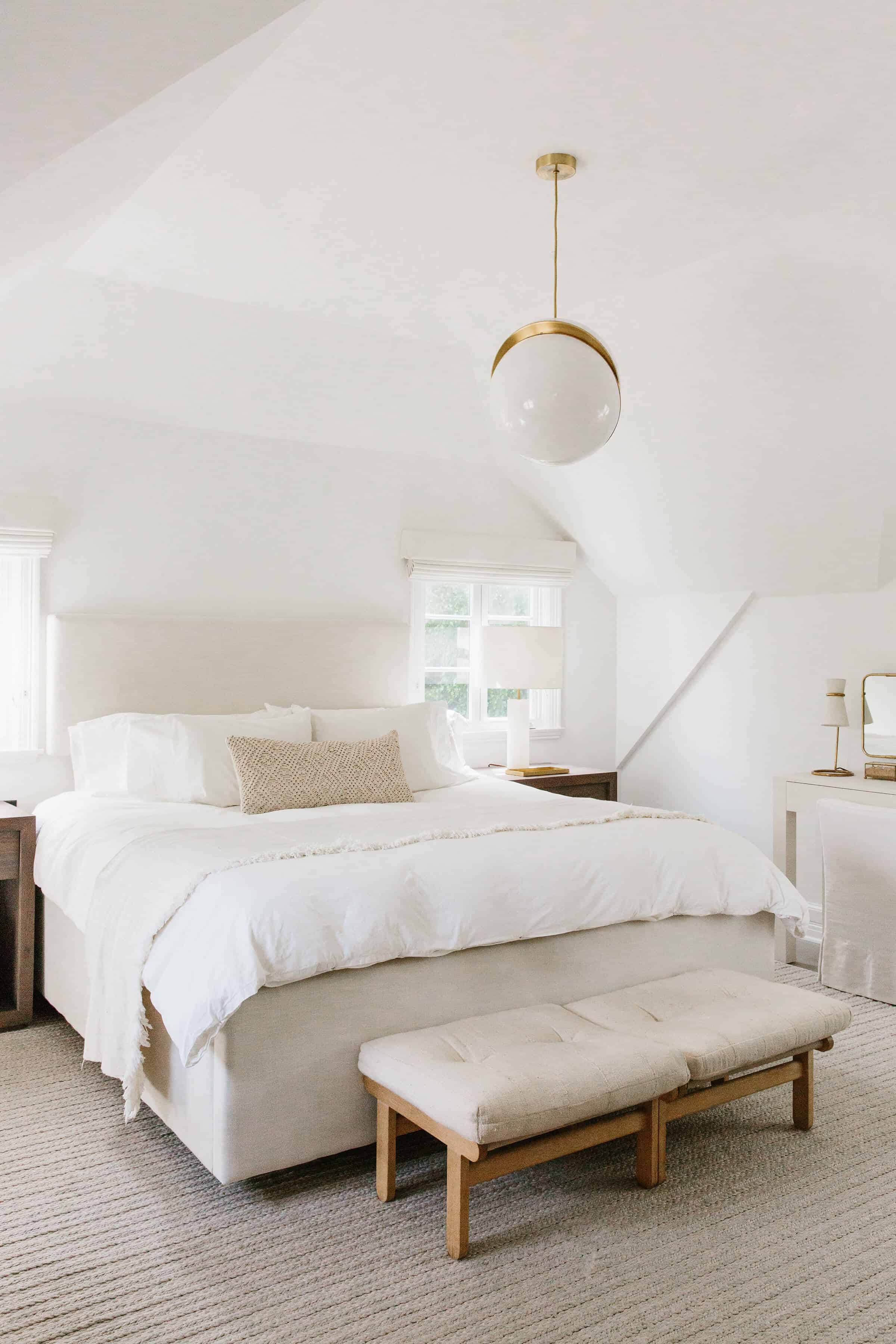 Emily-Henderson_Modern-Design-Trends_White_Minimal_Casual_Rustic_Simple_Relaxed_California_Effortless_19