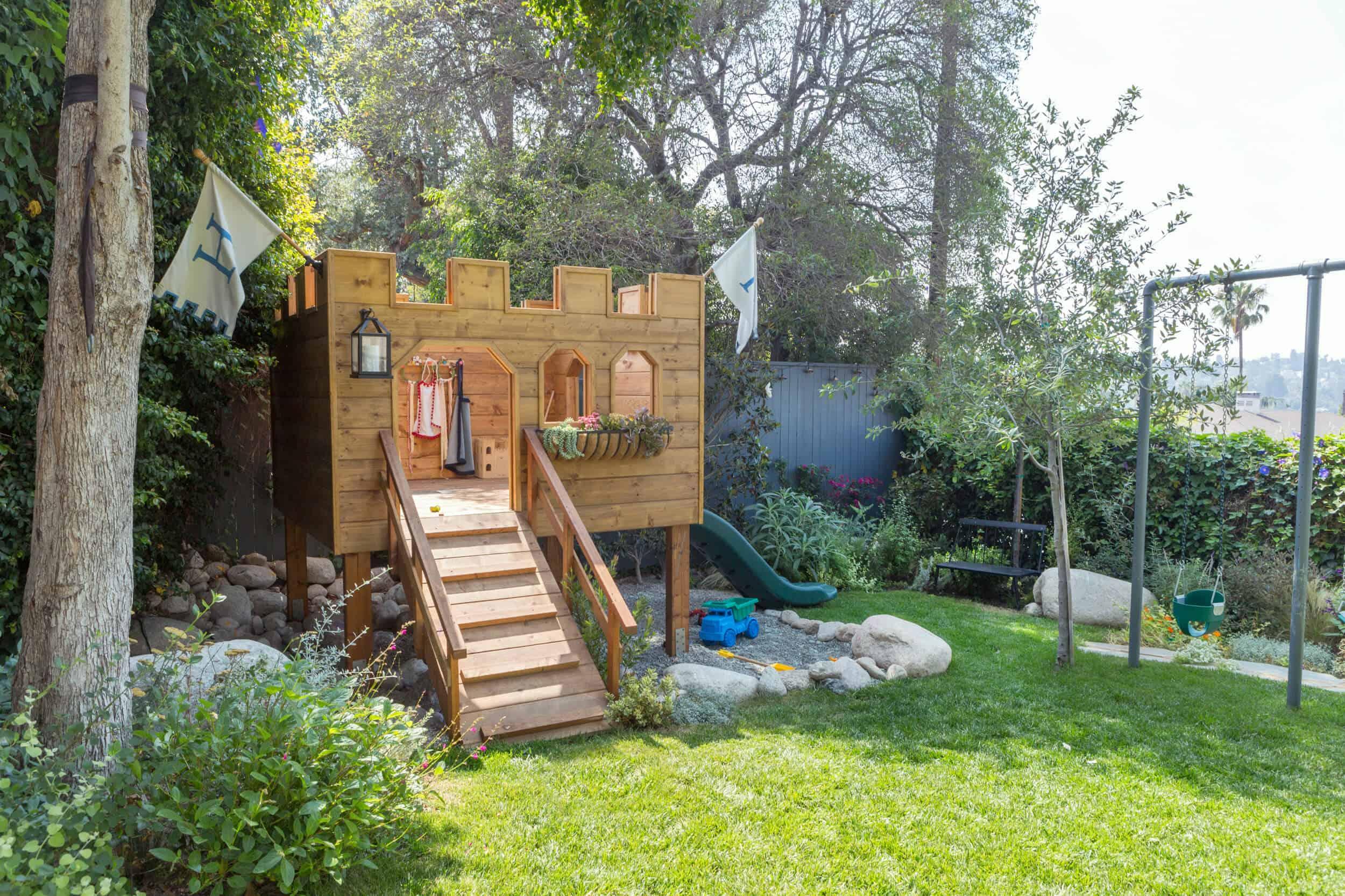 Emily-Henderson-Backyard-421