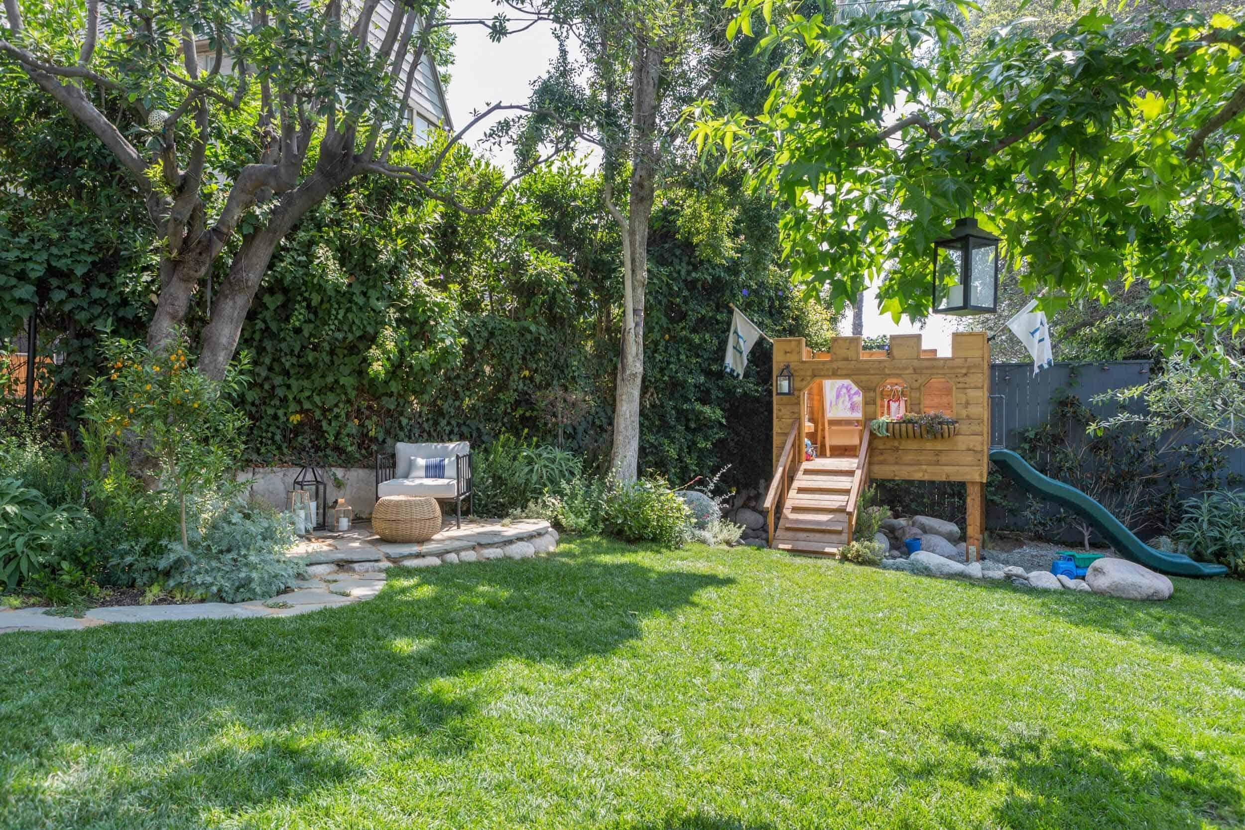 Emily-Henderson-Backyard-73