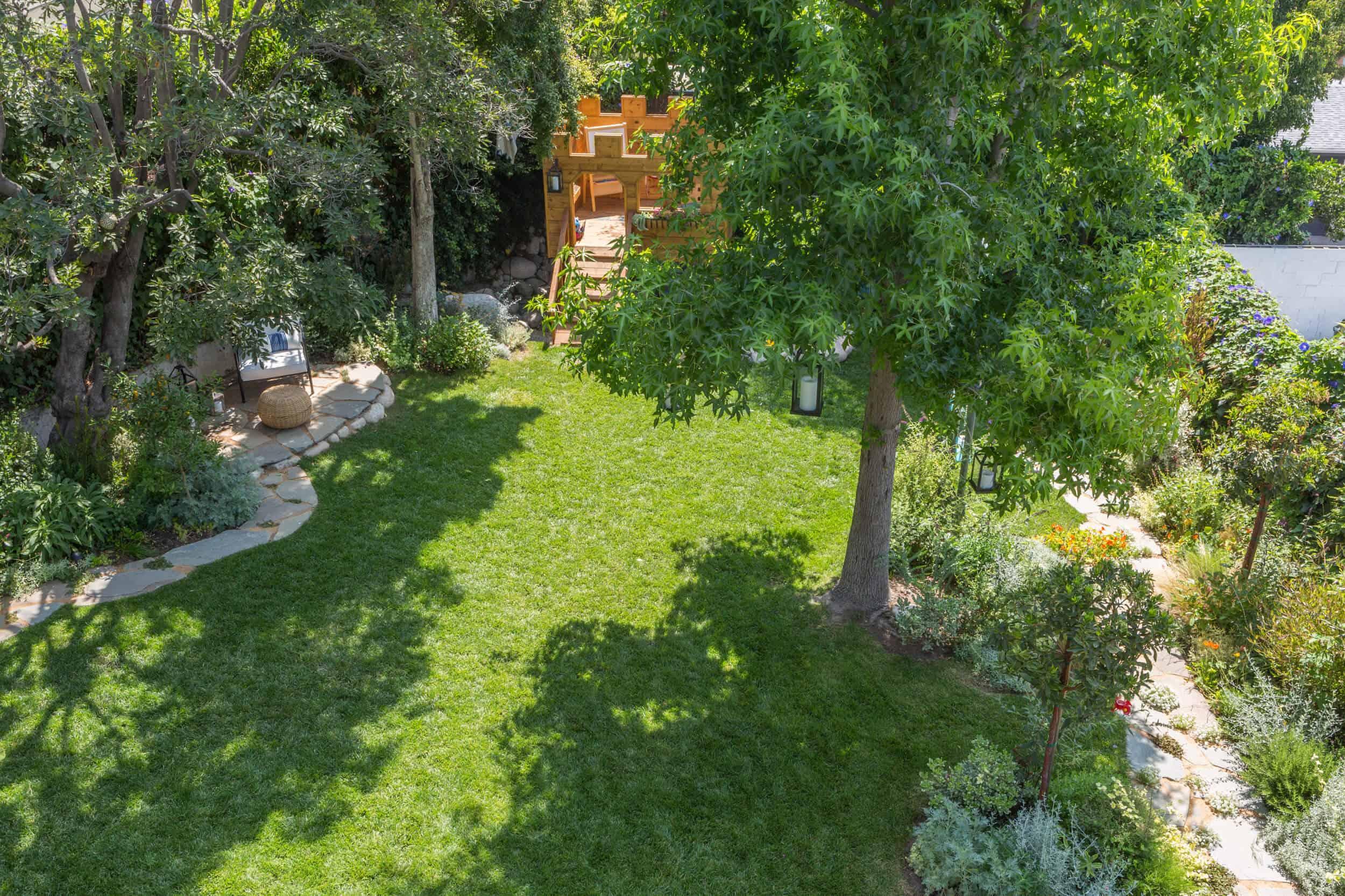Emily-Henderson-Backyard-831