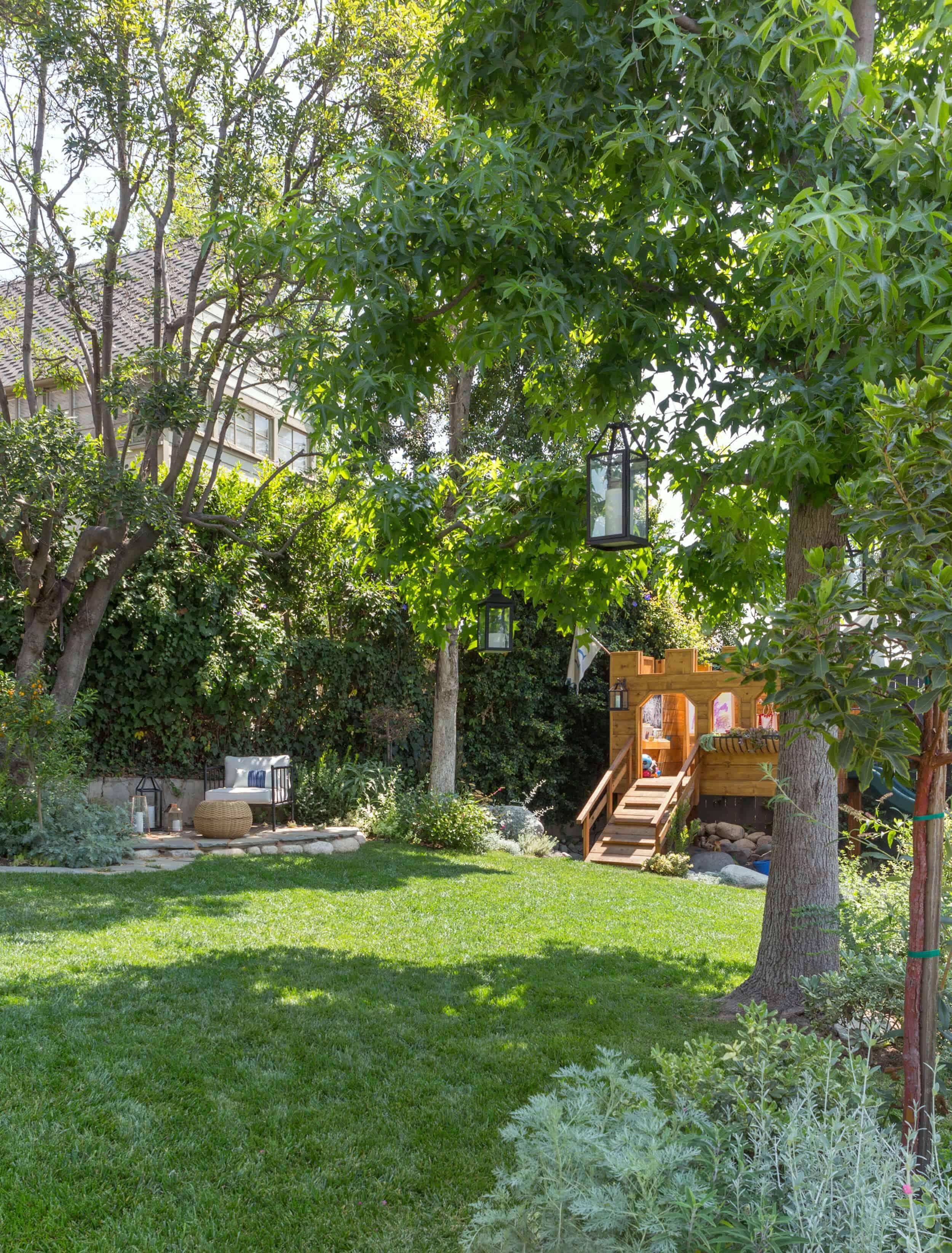 Emily-Henderson-Backyard-992