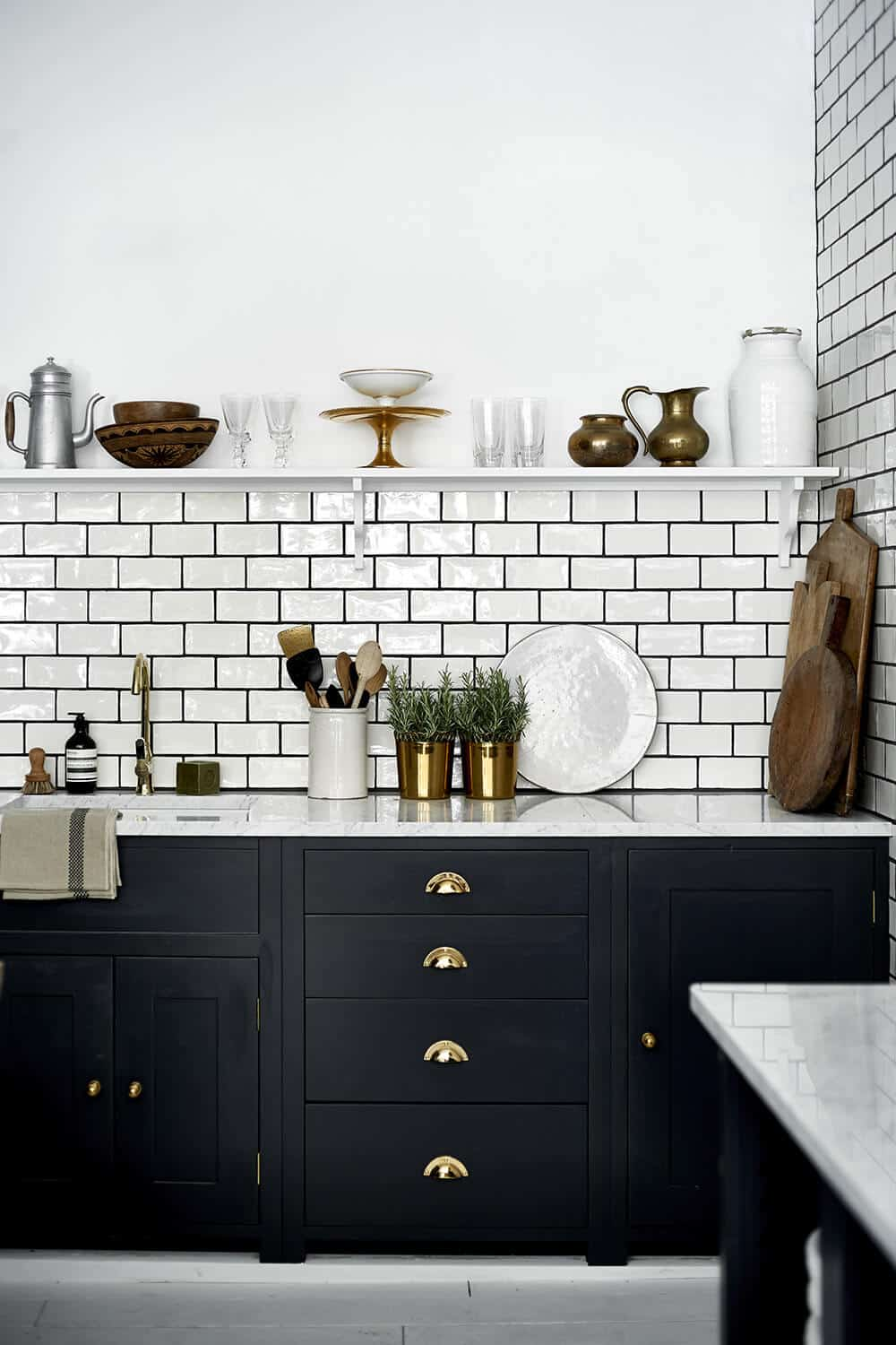 - The Difference Grout Color Can Make To Your Tiles - Emily Henderson