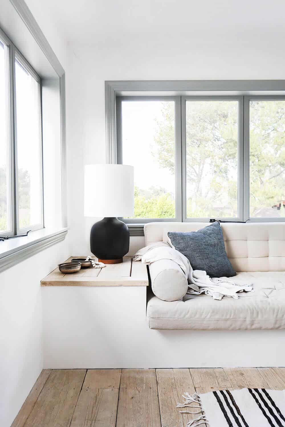 Emily-Henderson_Modern-Design-Trends_White_Minimal_Casual_Rustic_Simple_Relaxed_California_Effortless_Lighting_1