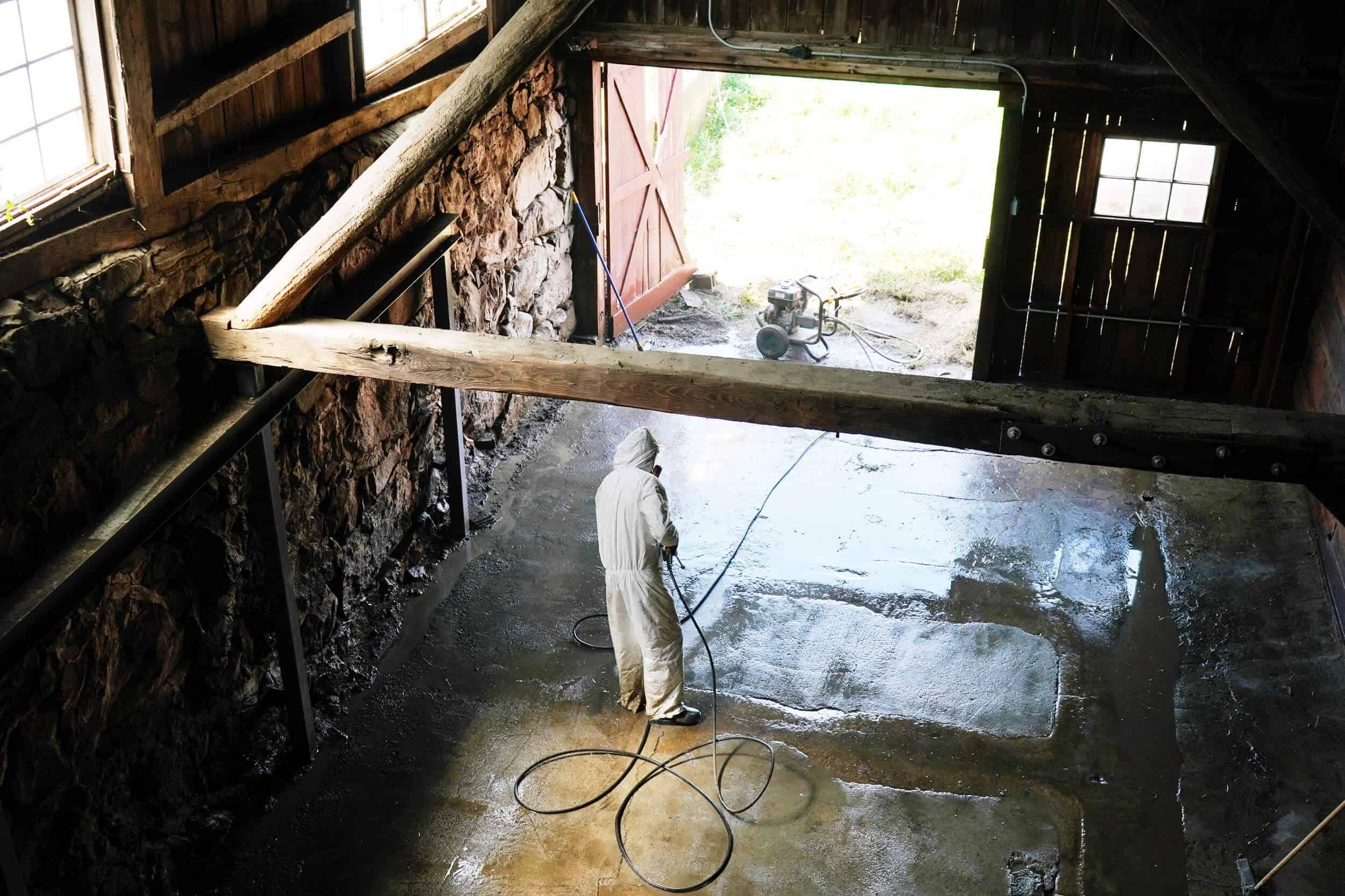 Emily Henderson Samsung The Frame Louise Roe The Barn 03 Edited