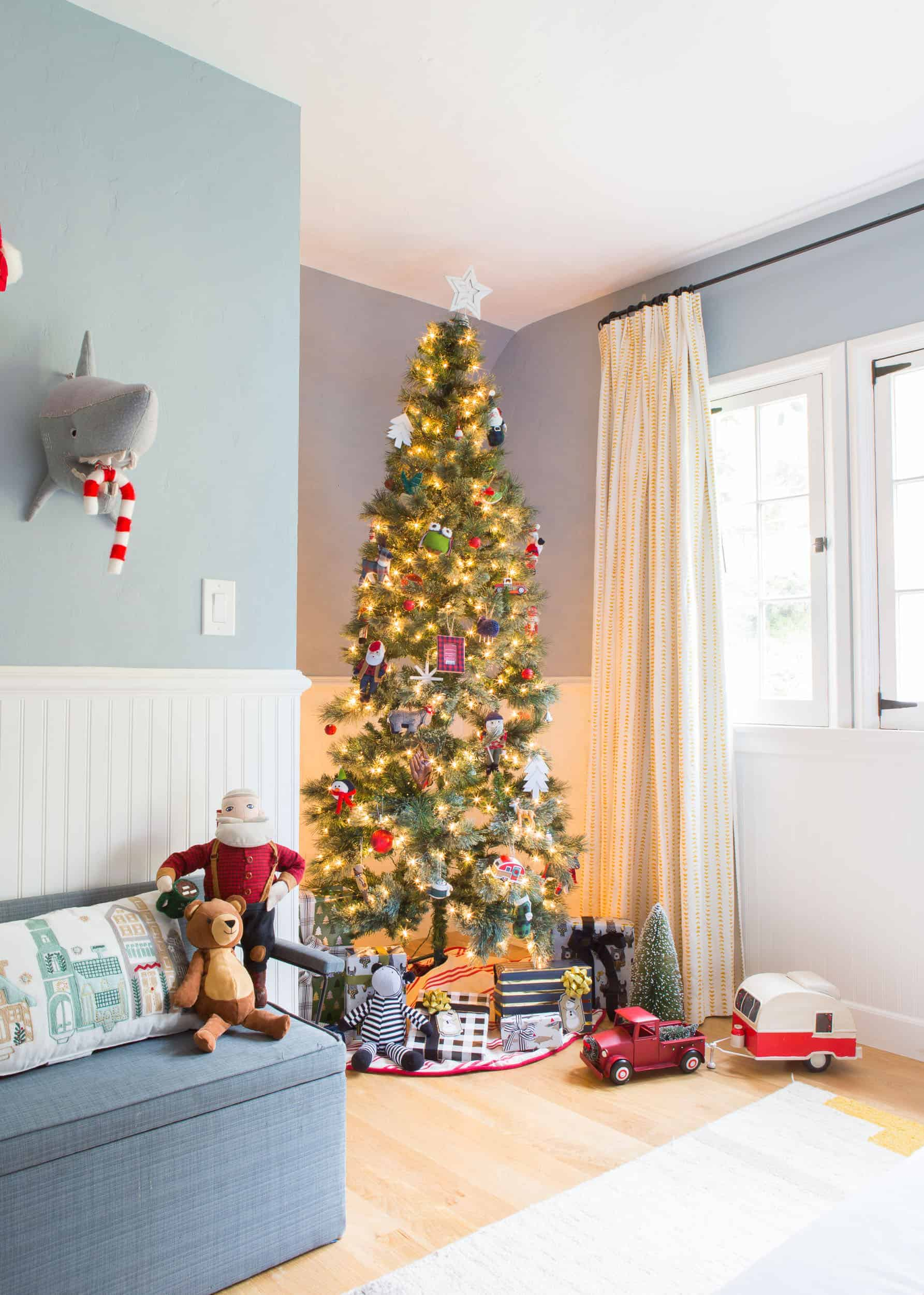 Charlie's Room, Decked For The Holidays