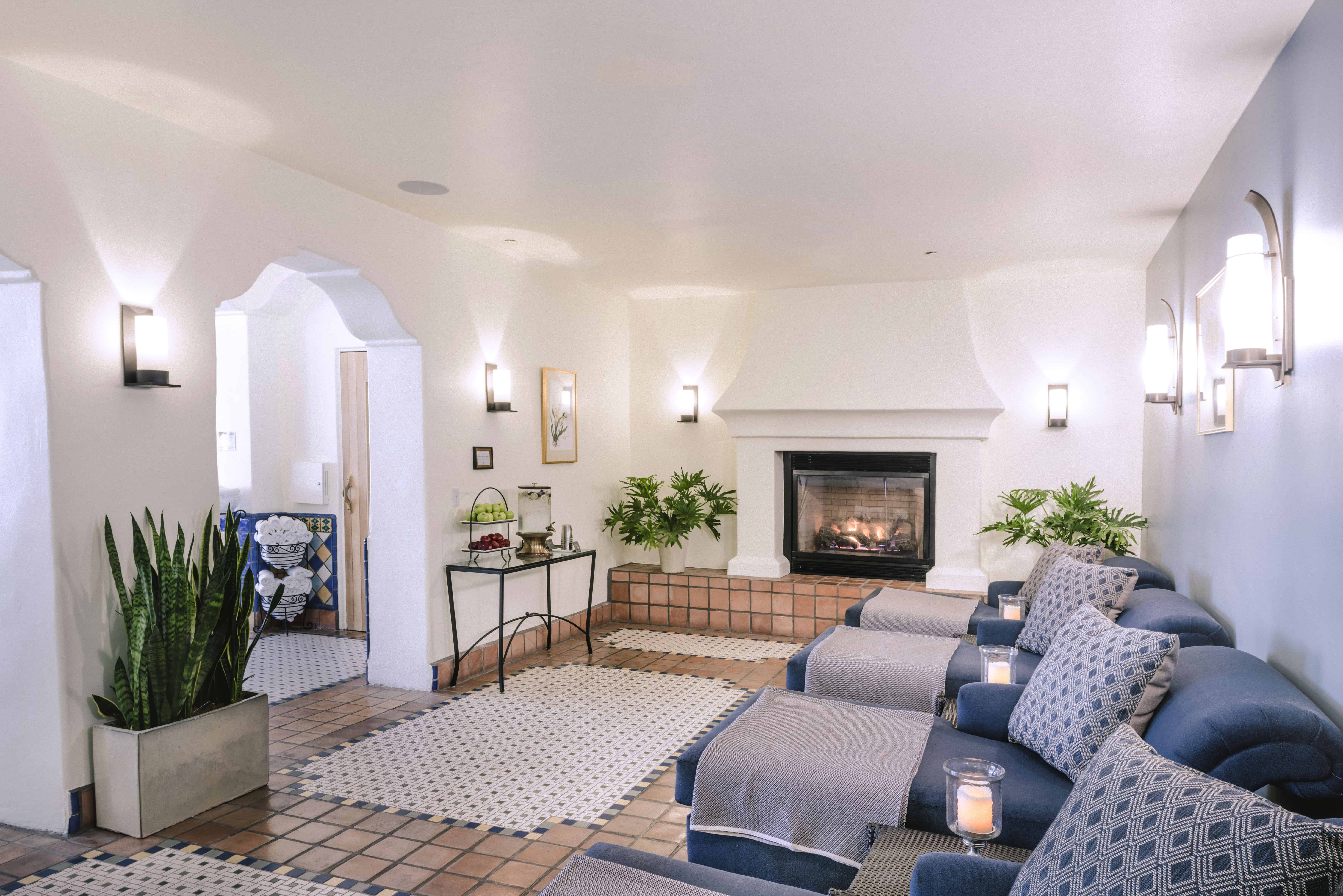 Ojai Valley Inn Spa Lounge Area With Fireplace