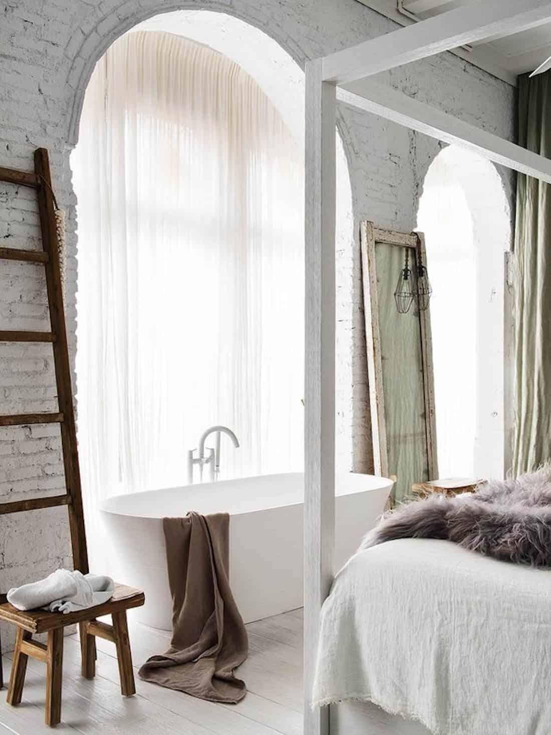 Emily Henderson Design Trends 2018 Bathroom Bathtub In The Bedroom 04