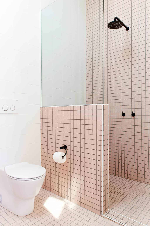 Emily Henderson Design Trends 2018 Bathroom Black Fixture 08