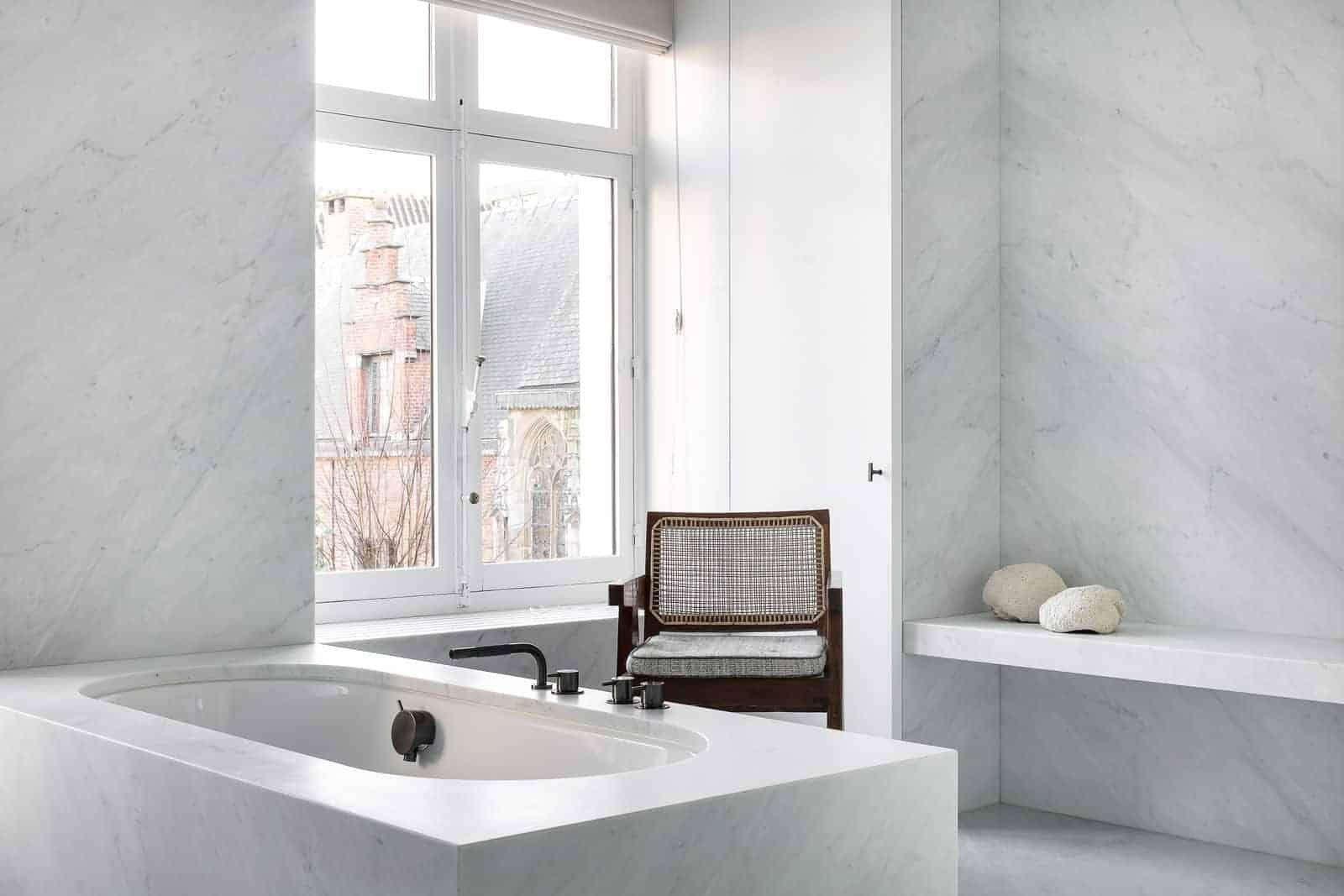 Emily Henderson Design Trends 2018 Bathroom Marble 01