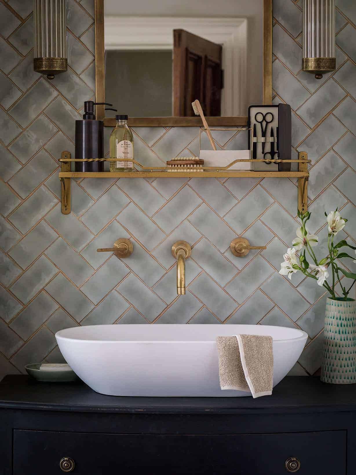 Emily Henderson Design Trends 2018 Bathroom Open Storage 02