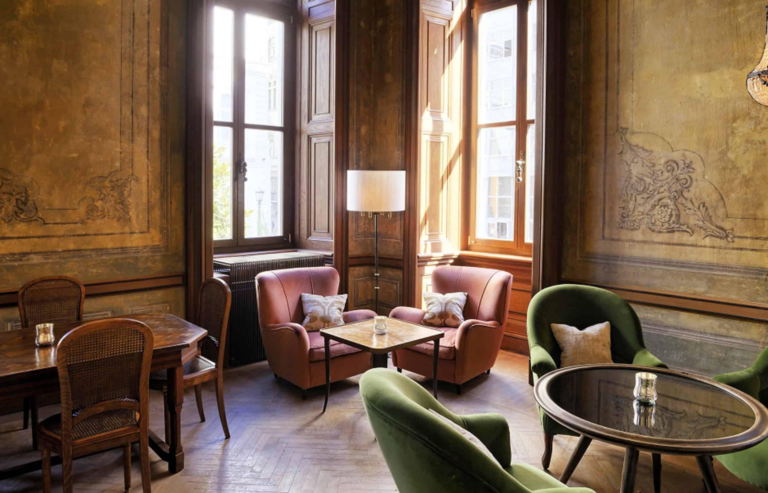 Emily Henderson Modern Victorian Trend Eclectic Boho Moody Velvet Tufted Fringe Detailed Dramatic Living Room Bedroom 4