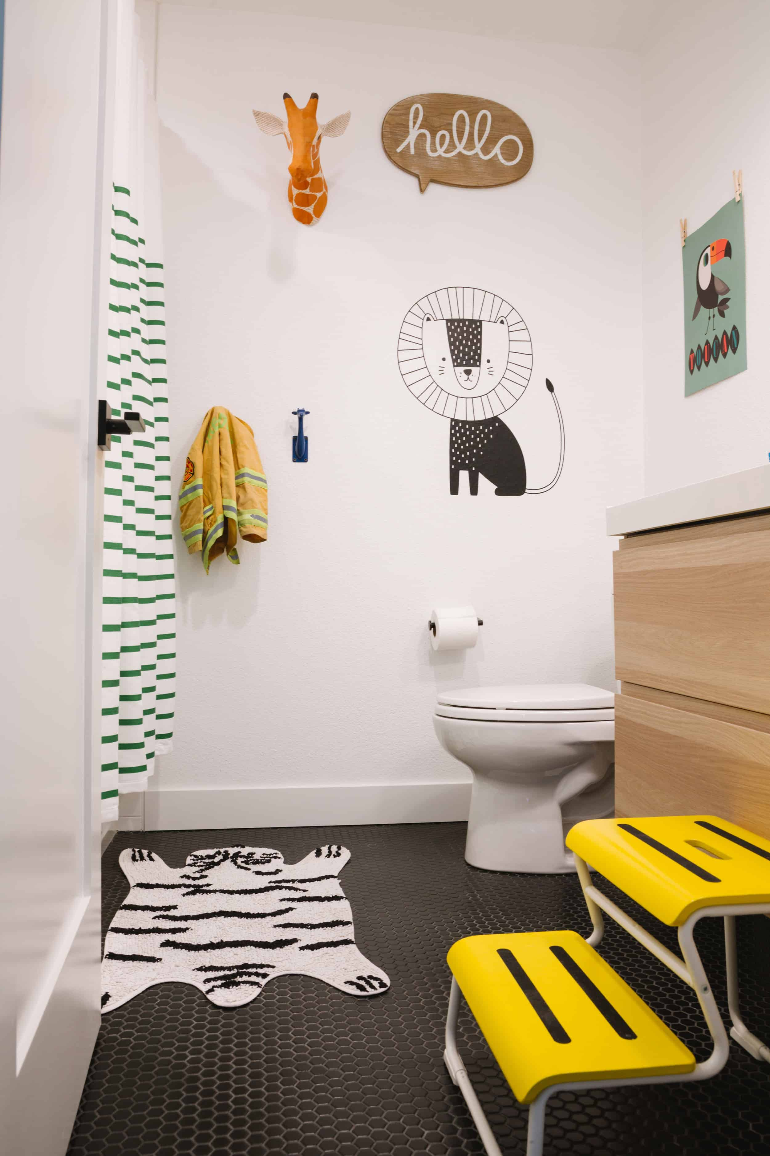 Samantha Gluck Emily Henderson Kids Bathroom1