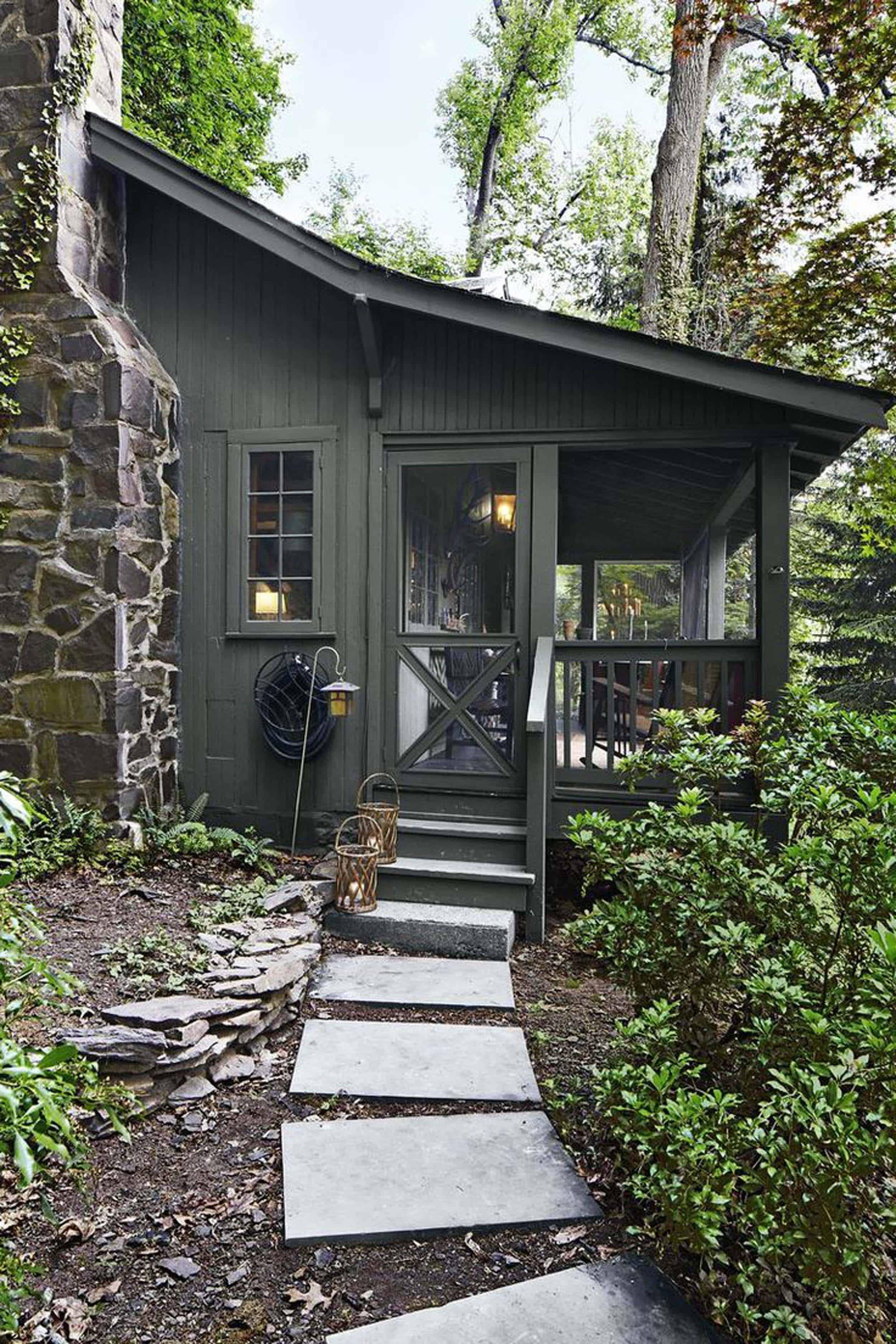 Dark Green Cabin