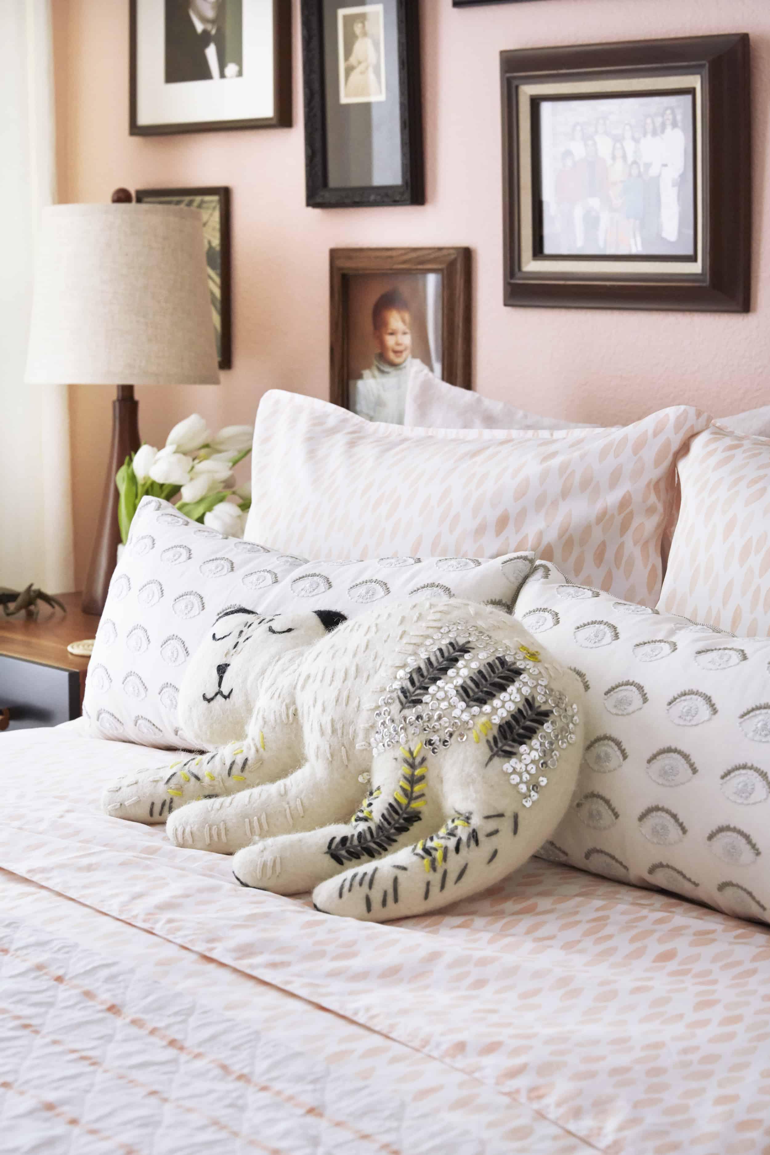 Pink Room Details 002
