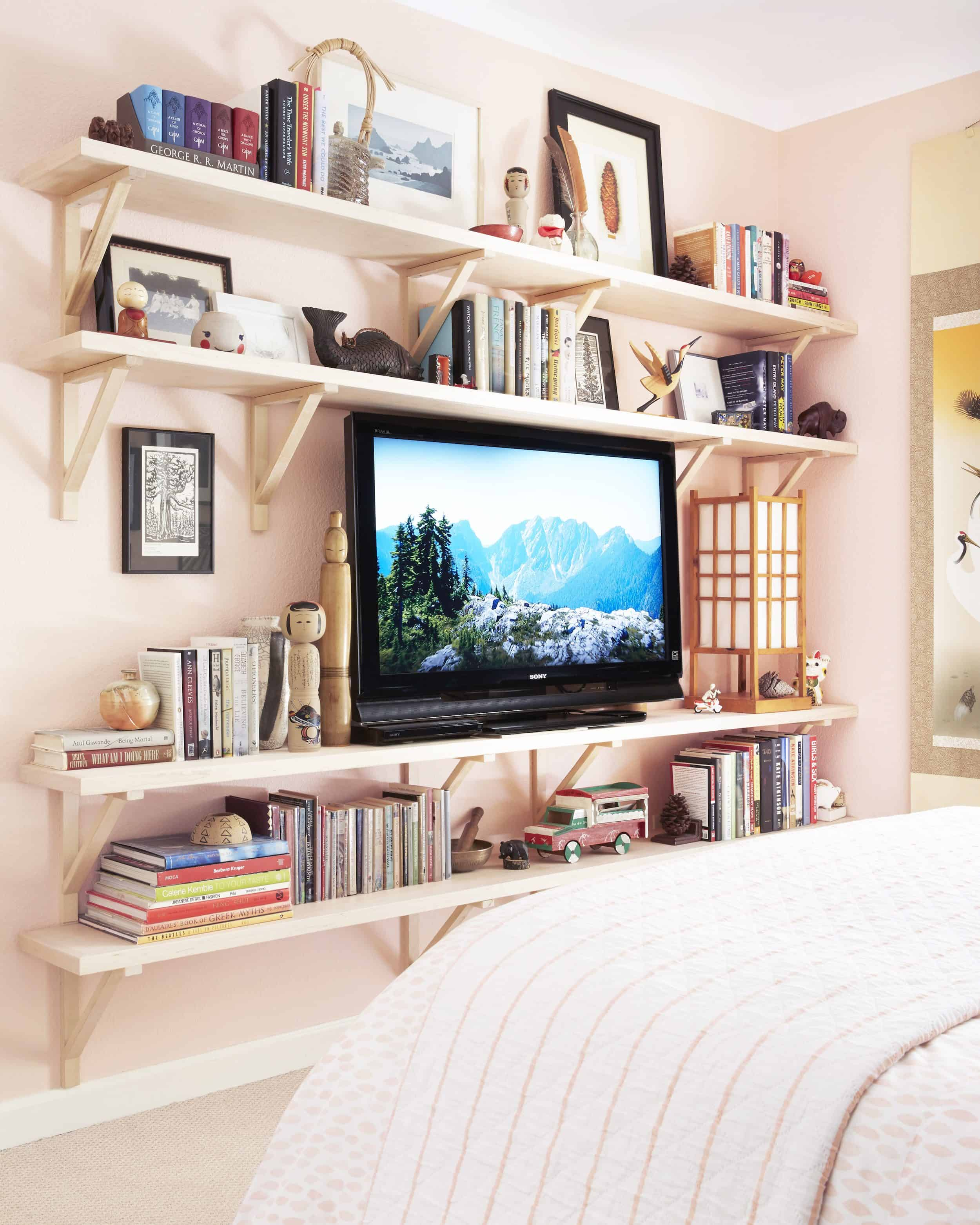 Orlando Soria Pink Guest Bedroom