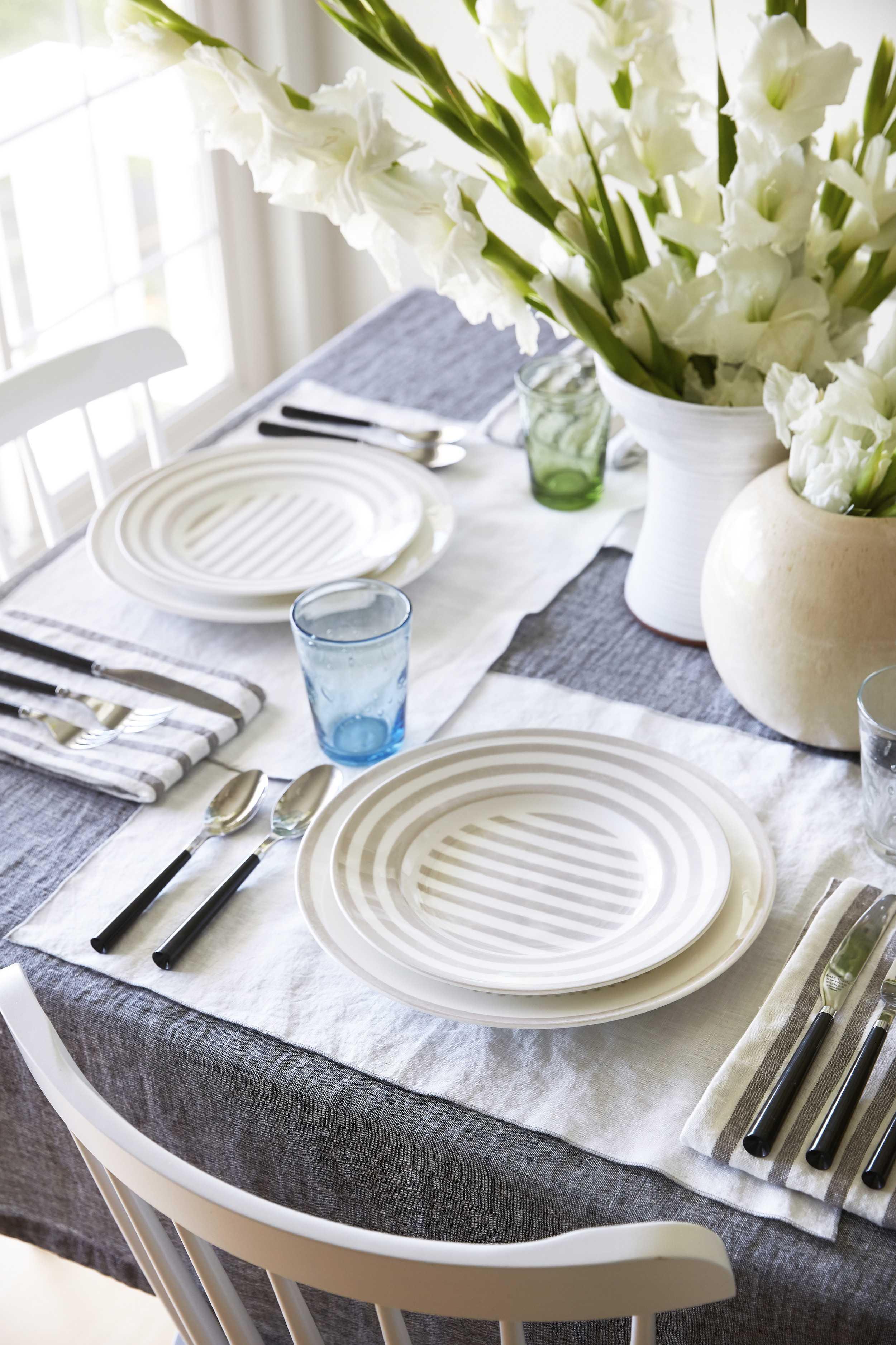 Dining Room Details 002