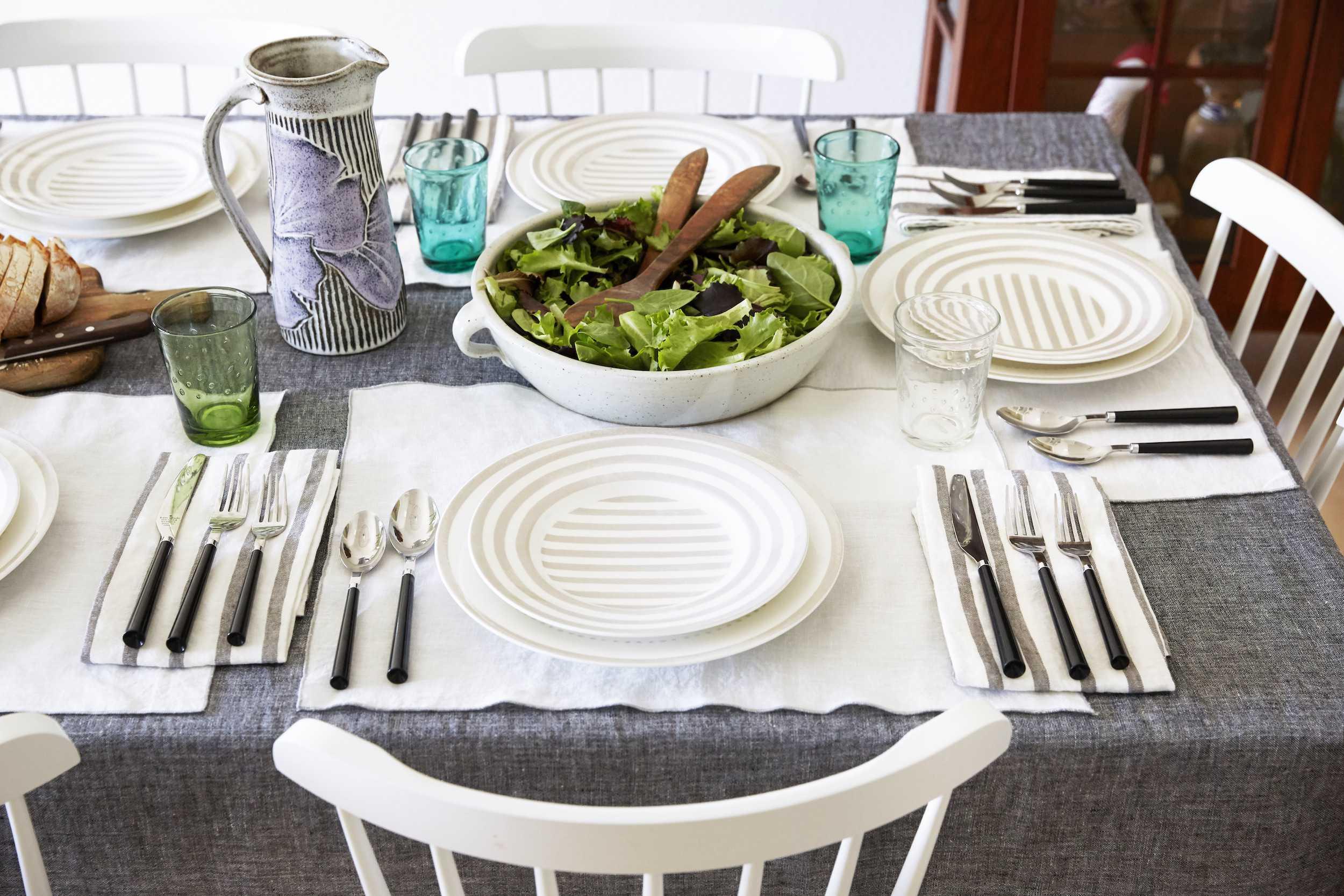 Dining Room Details 017