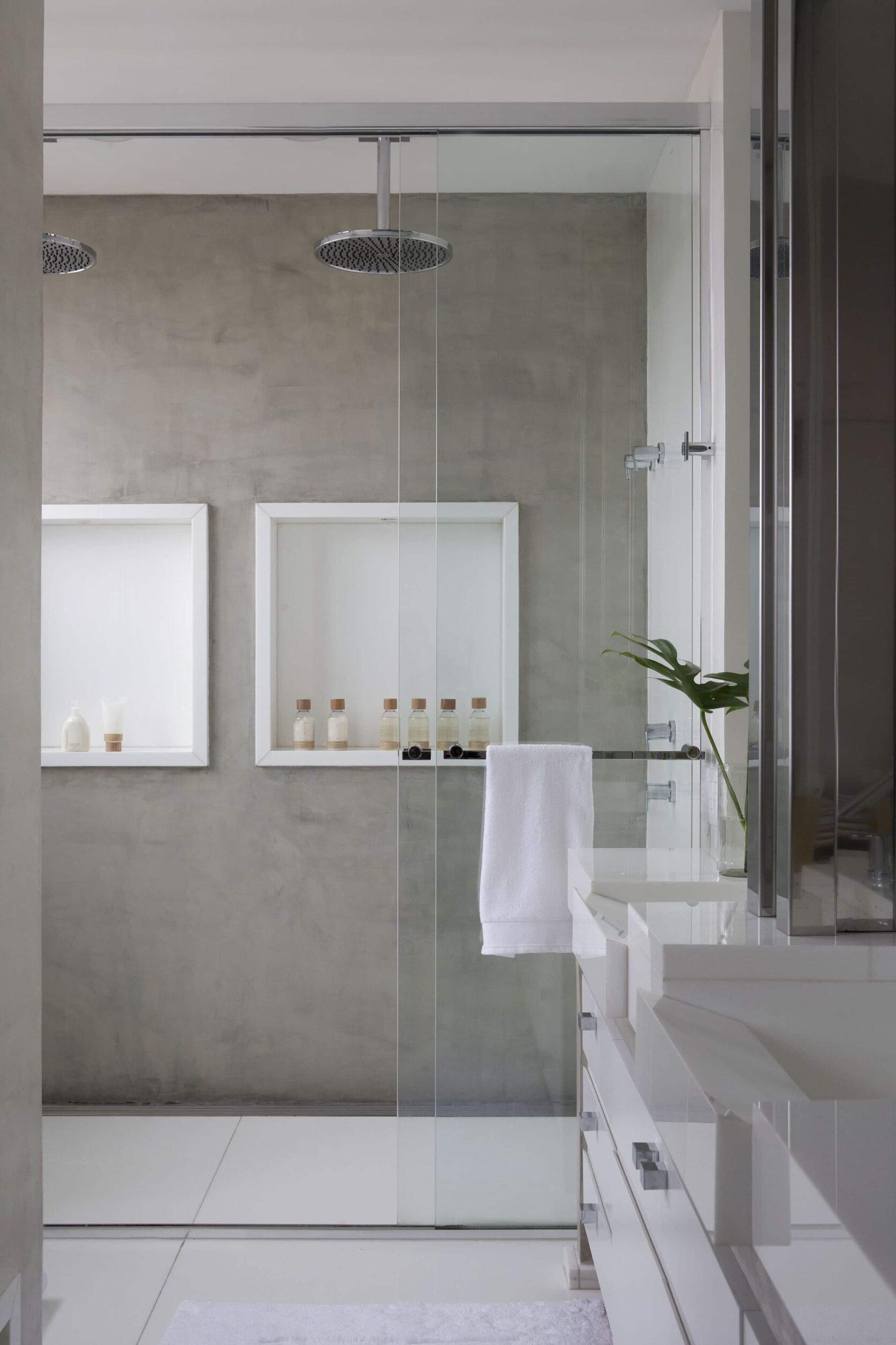 Luxury Bathroom With Double Showerhead