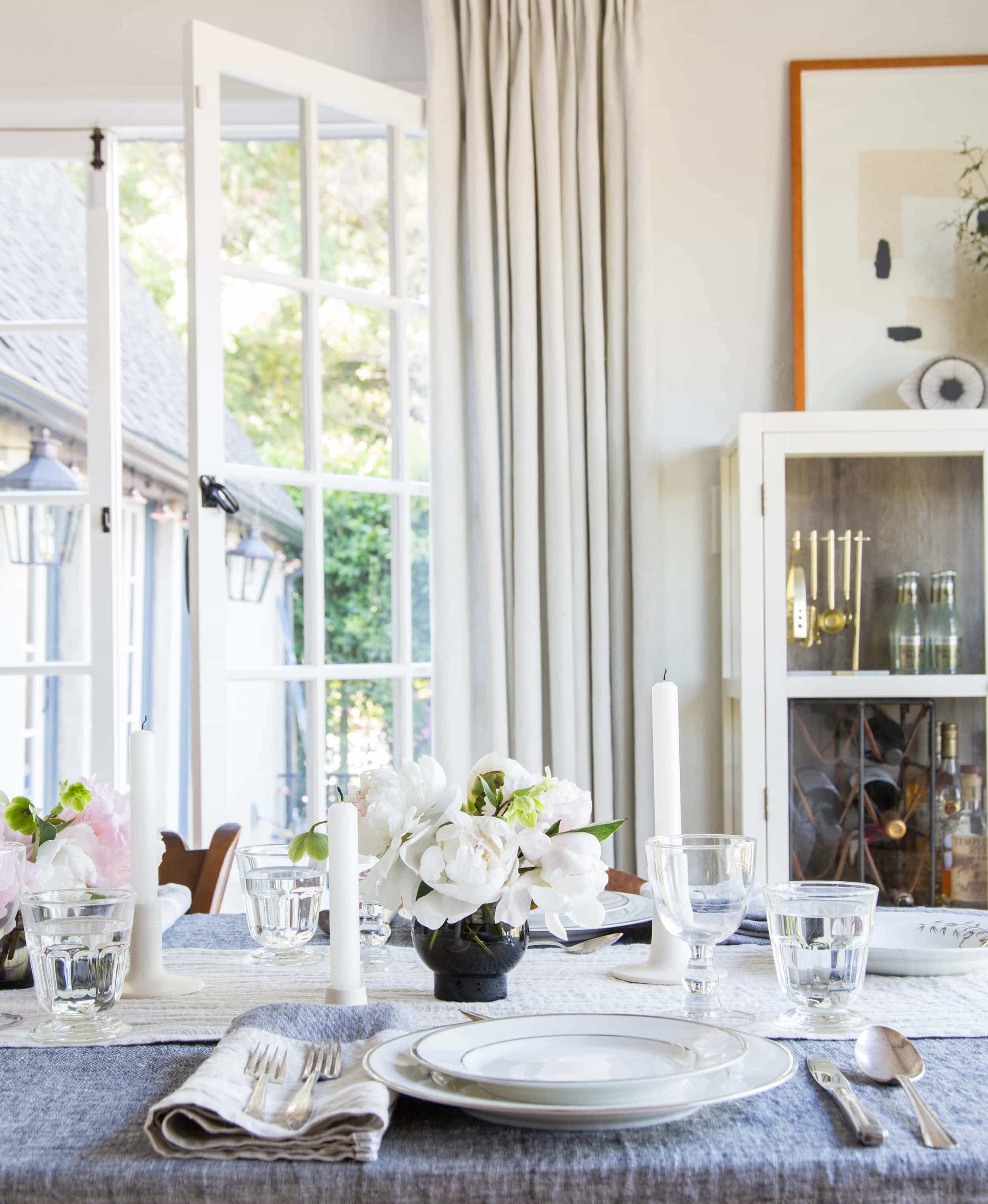 Emily Henderson Thanksgiving Tablescapes Inspo 7