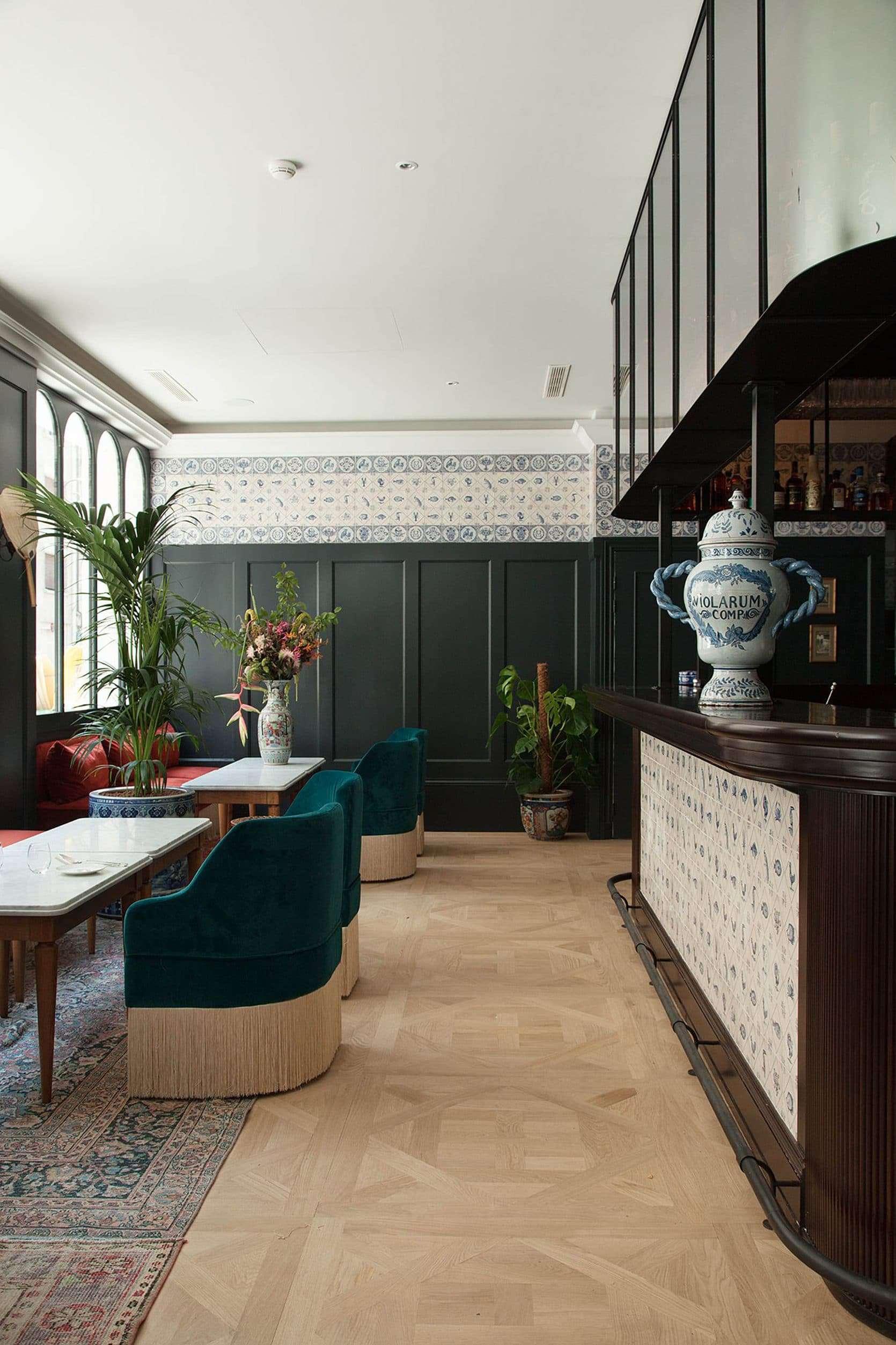 Hotel Monte Cristo Paris Lounge color trends 2018