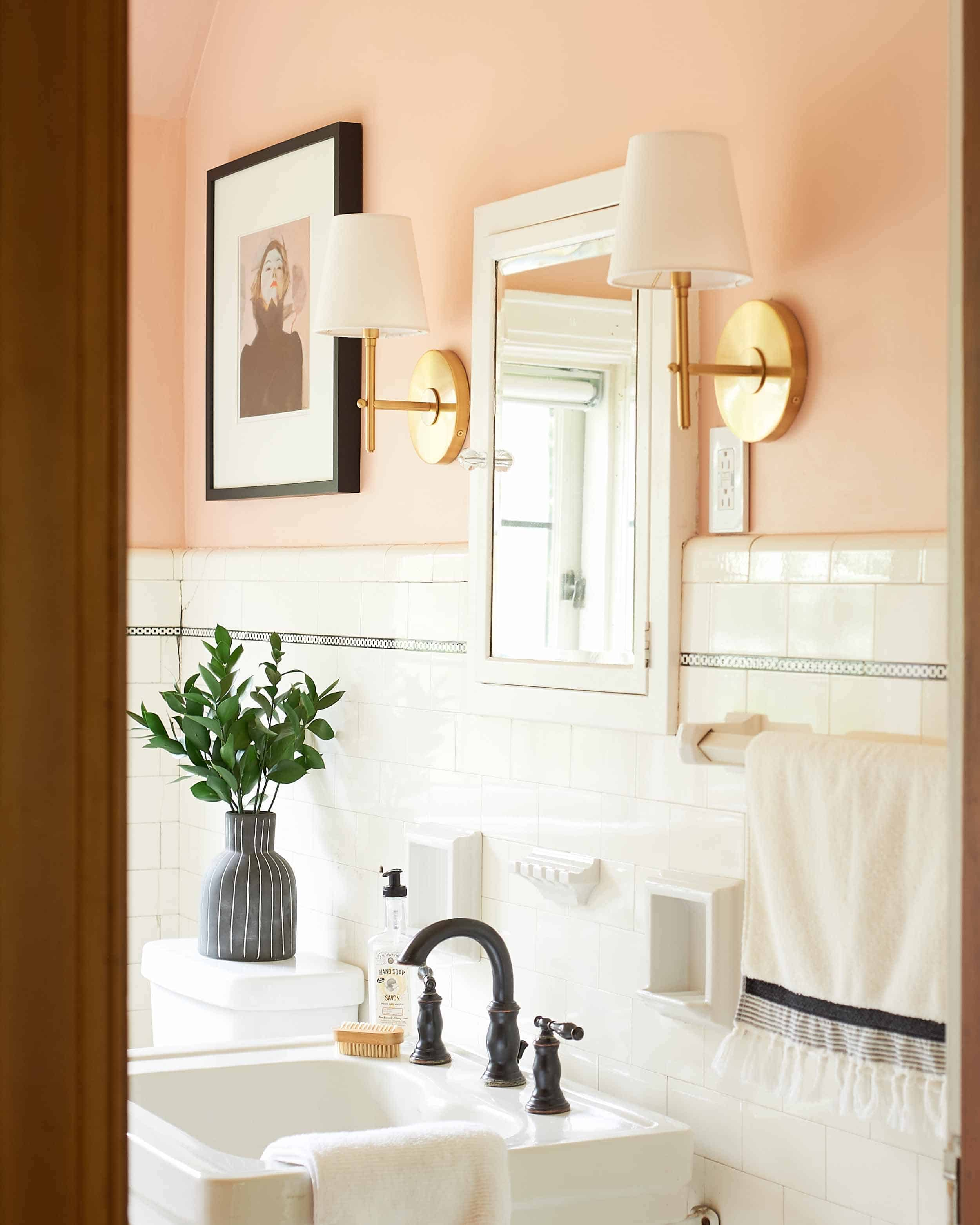 Ehd House Tour Emily Cosnotti Bathroom 002