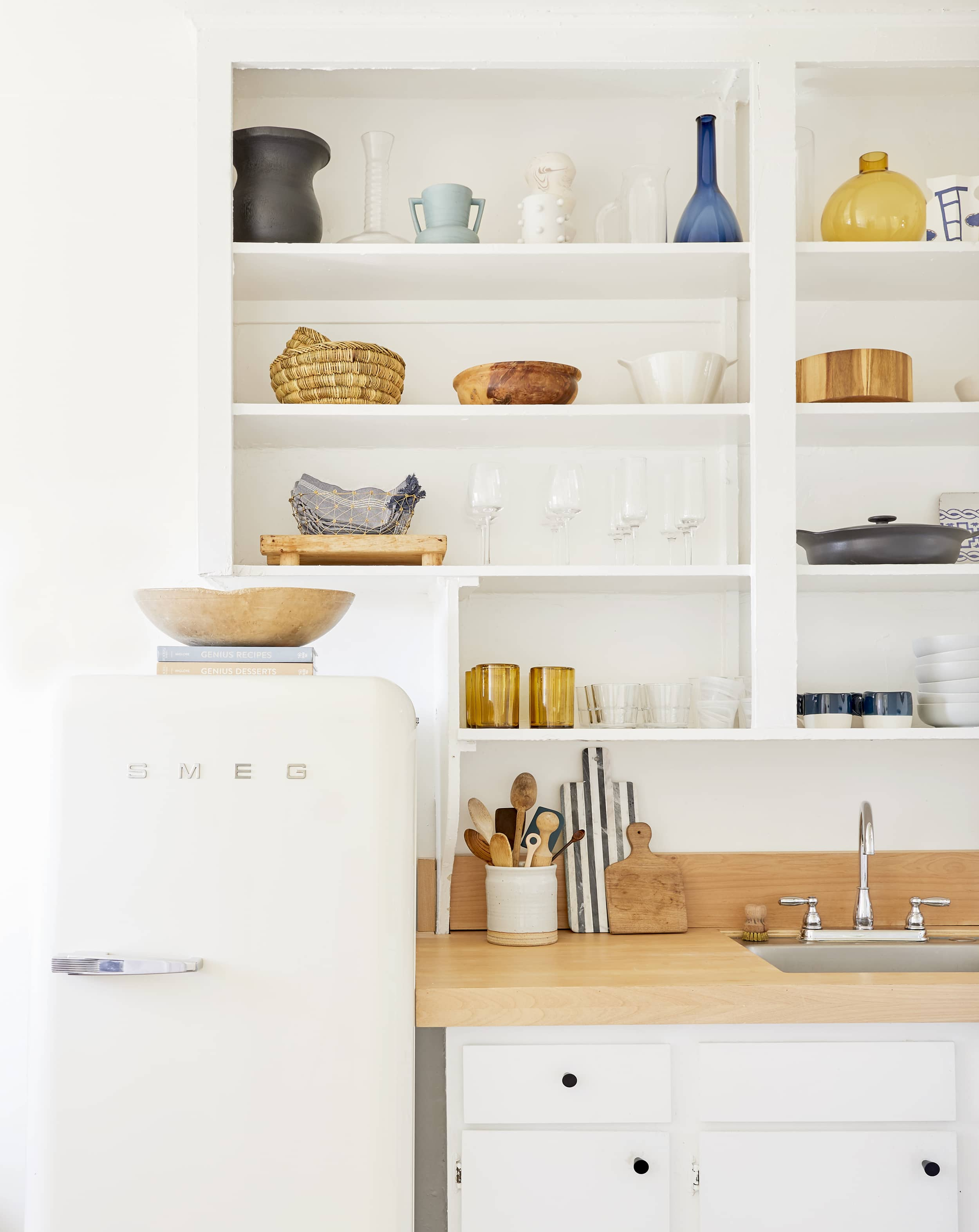 A Super Stylish Small Rental Kitchen With Diys You Ll Want To Try For Yourself