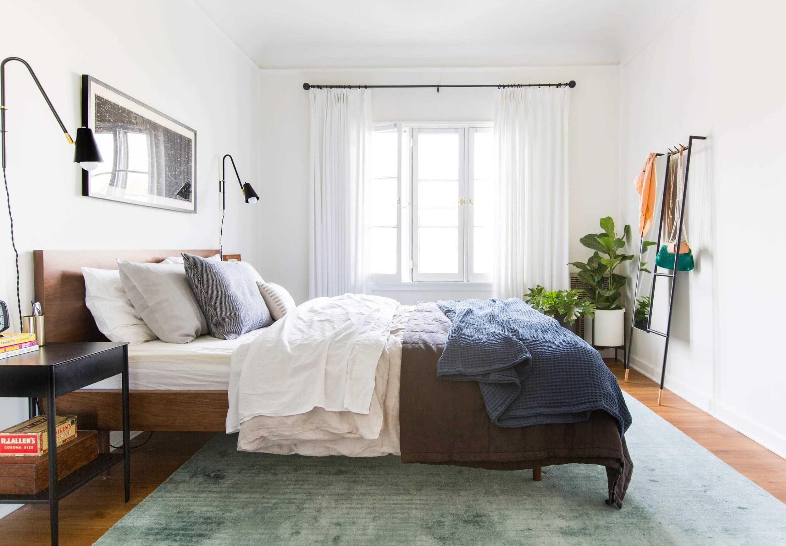 3 Ways To Decorate A Renter Friendly Bedroom On A Budget
