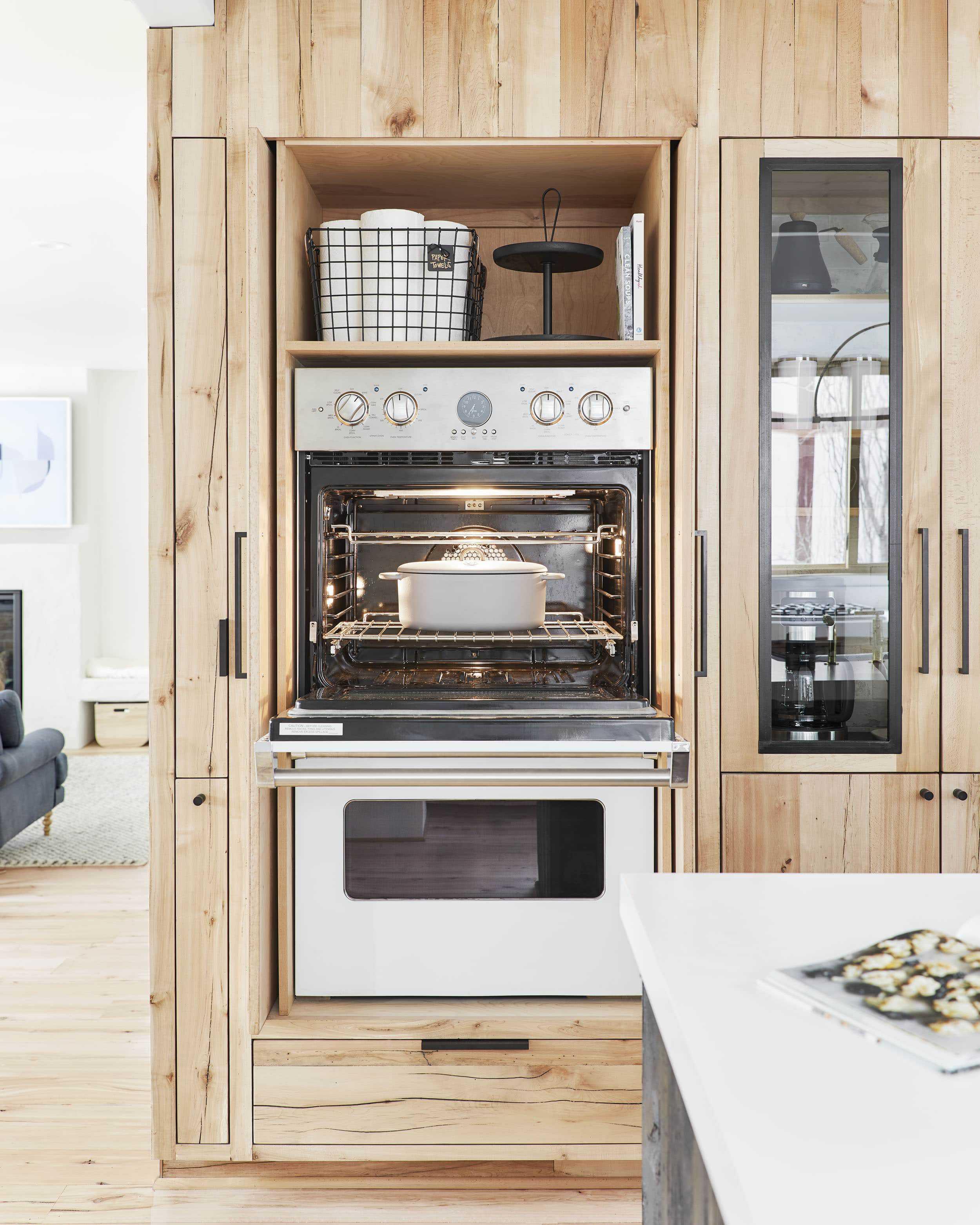 Emily Henderson viking appliances4