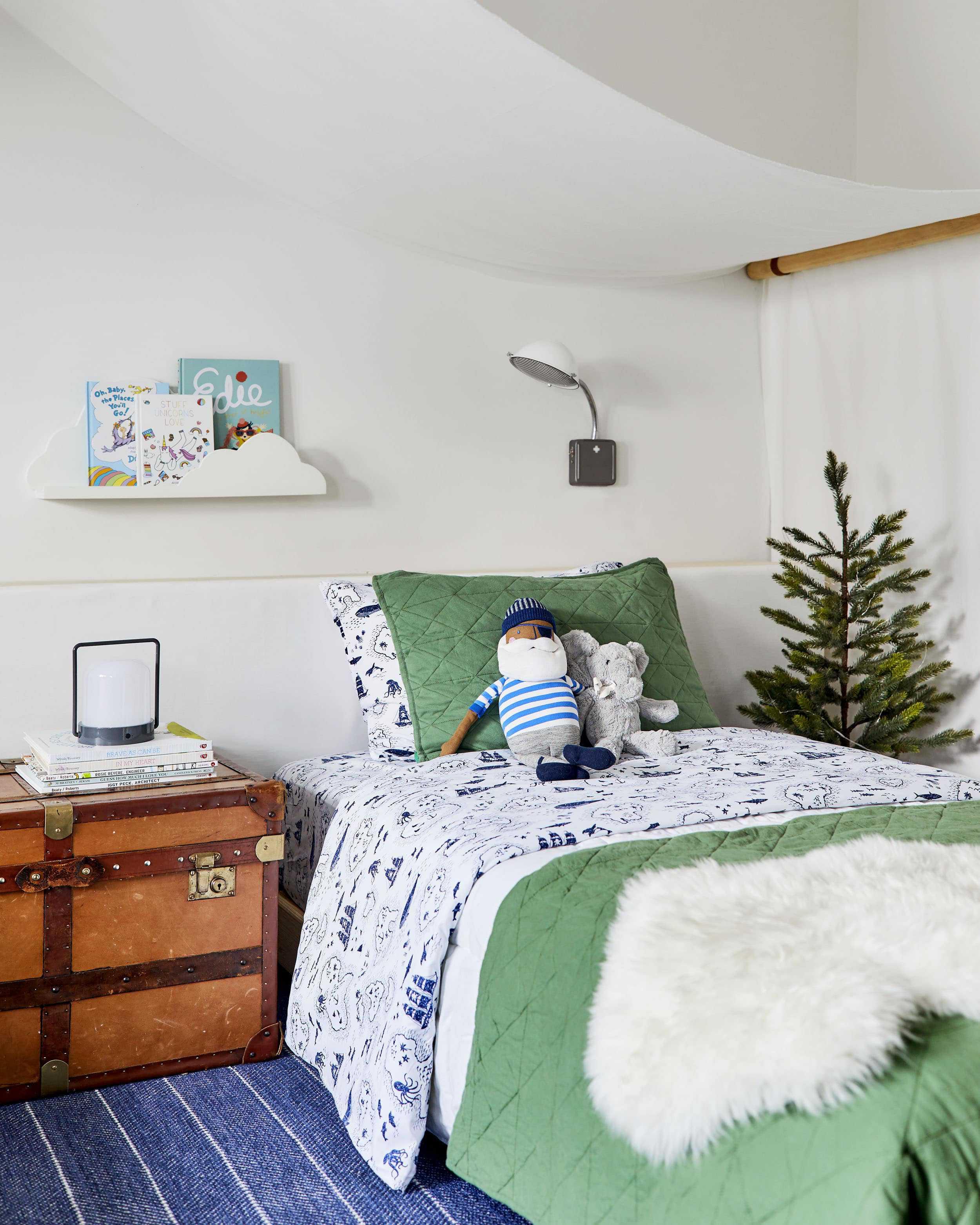 Emily Henderson Mountain Pillowfort Kids Room12