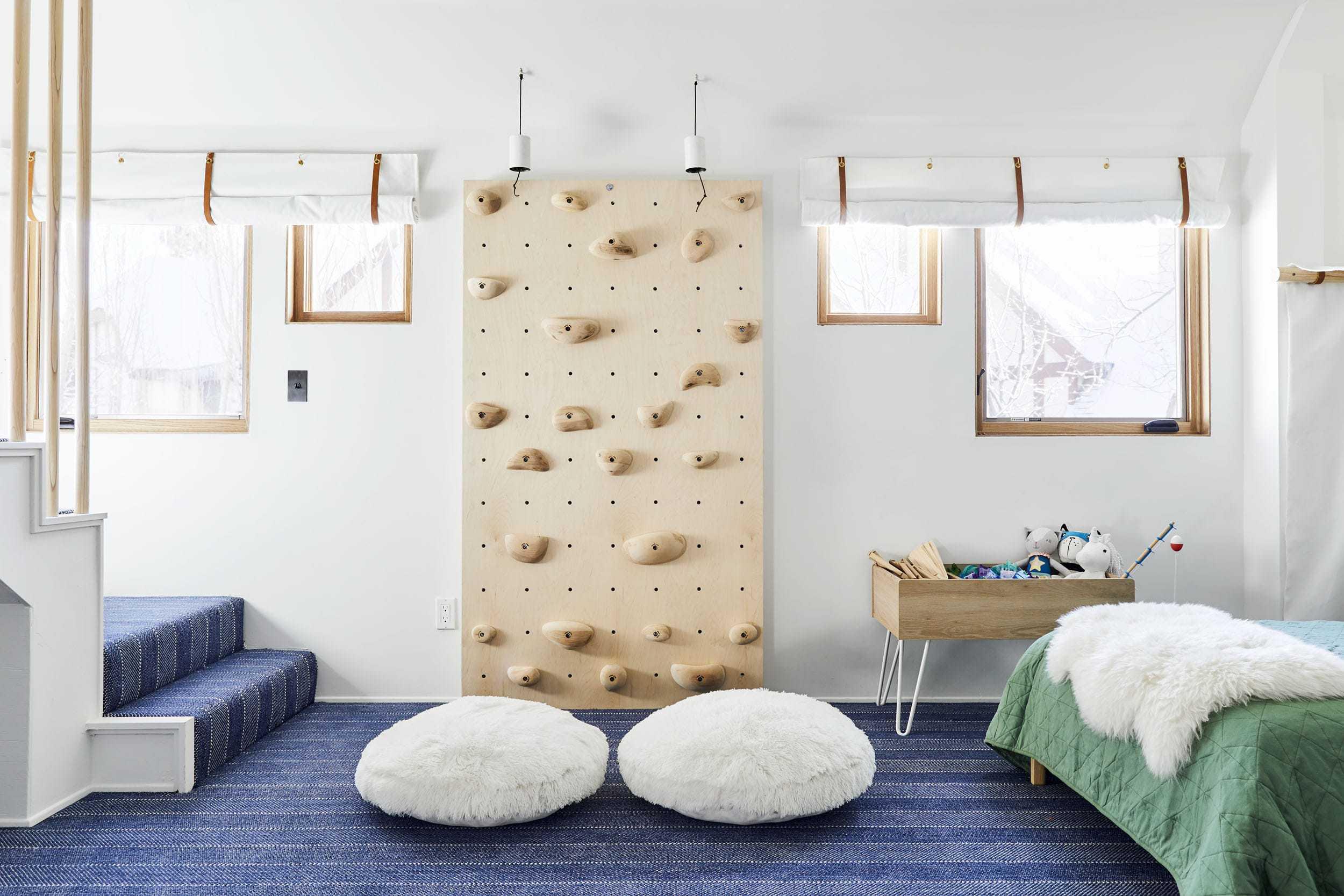 Emily Henderson Mountain Pillowfort Kids Room13 01