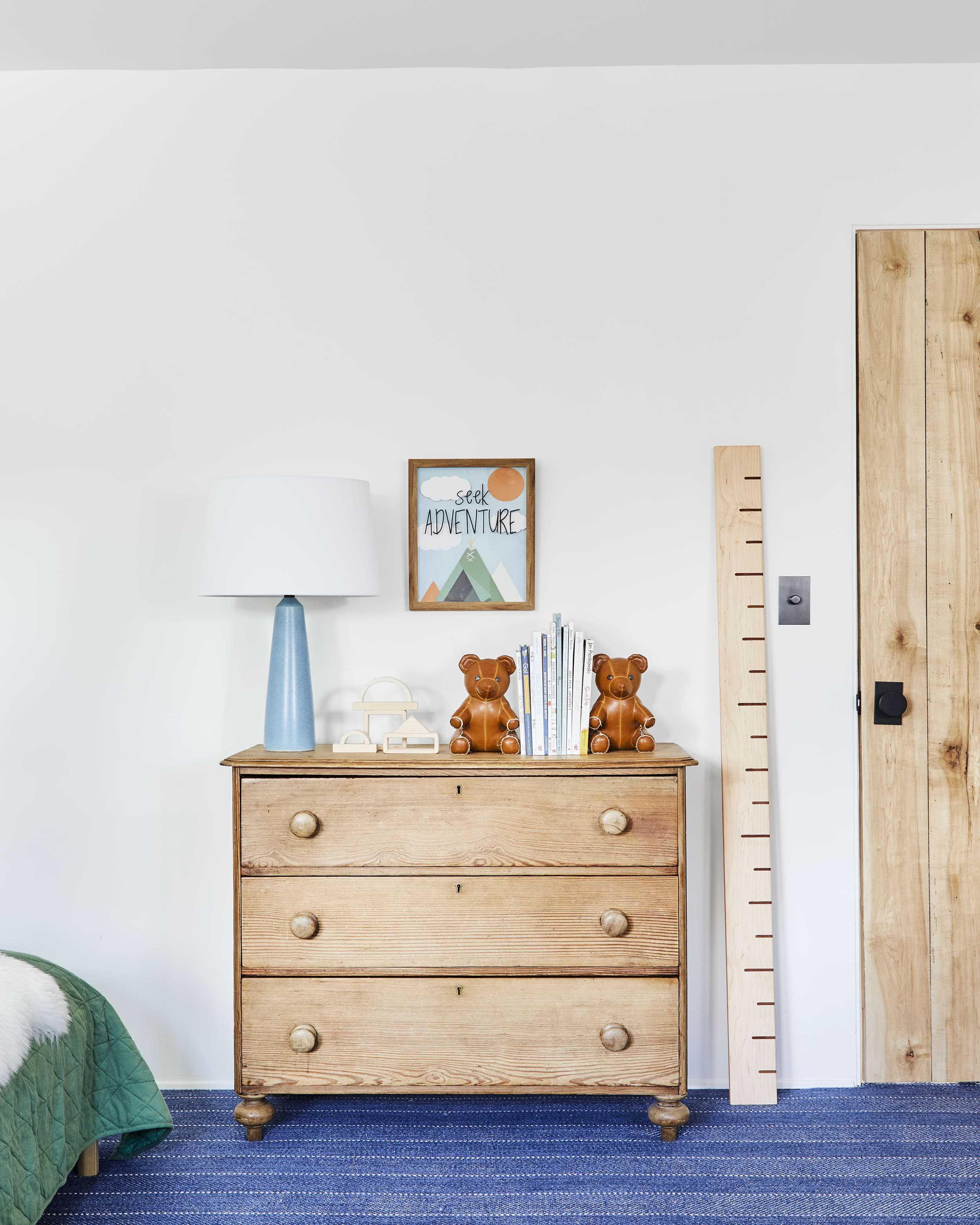 Emily Henderson Mountain Pillowfort Kids Room18