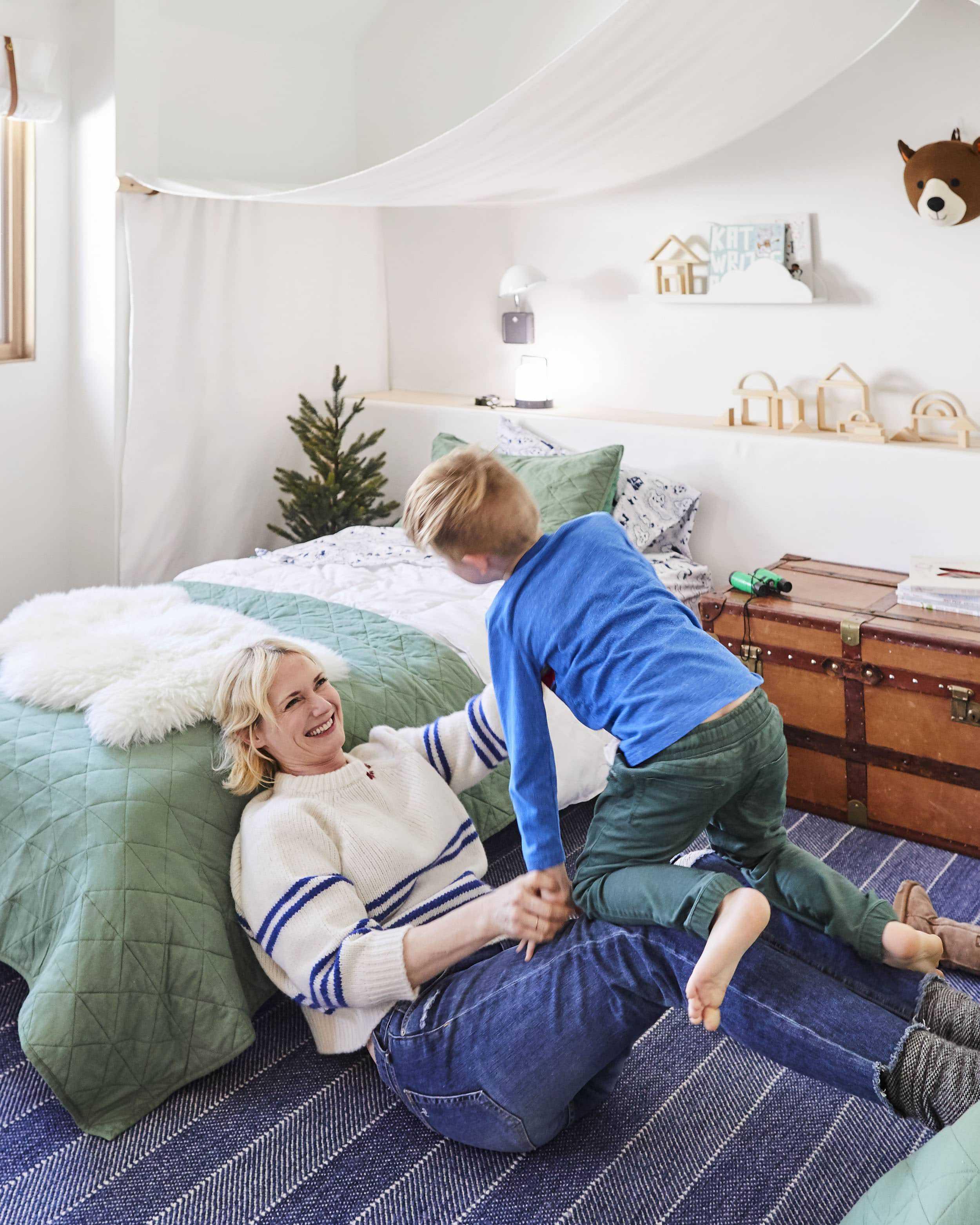 Emily Henderson Mountain Pillowfort Kids Room21